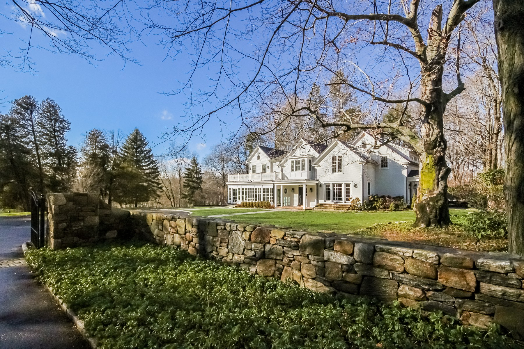 Single Family Home for Sale at GREENFIELD HILL 917 Merwins Lane Fairfield, Connecticut, 06824 United States
