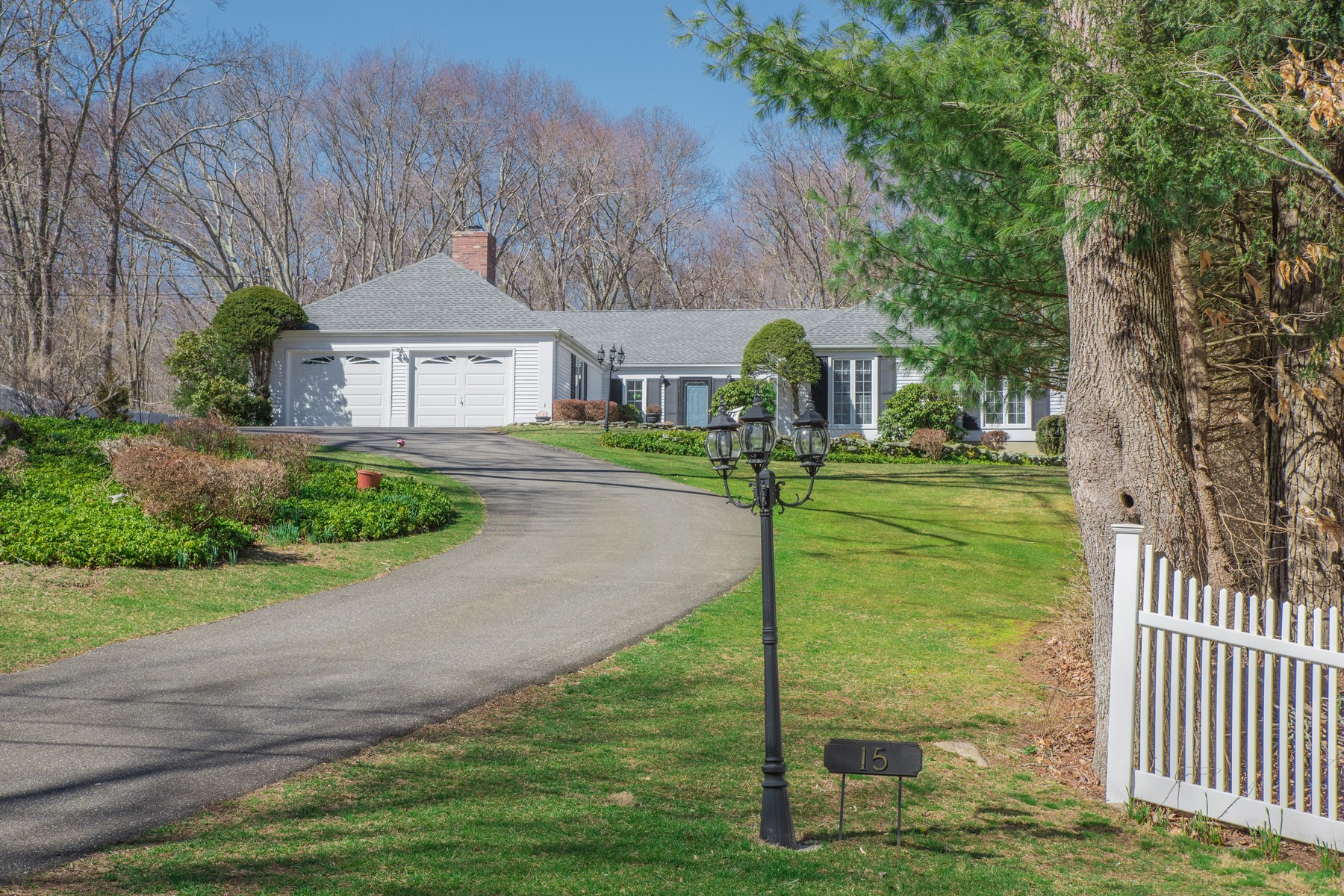 Single Family Home for Sale at Gracious ranch home offers elegance and comfort 15 Coult Ln Old Lyme, Connecticut, 06371 United States