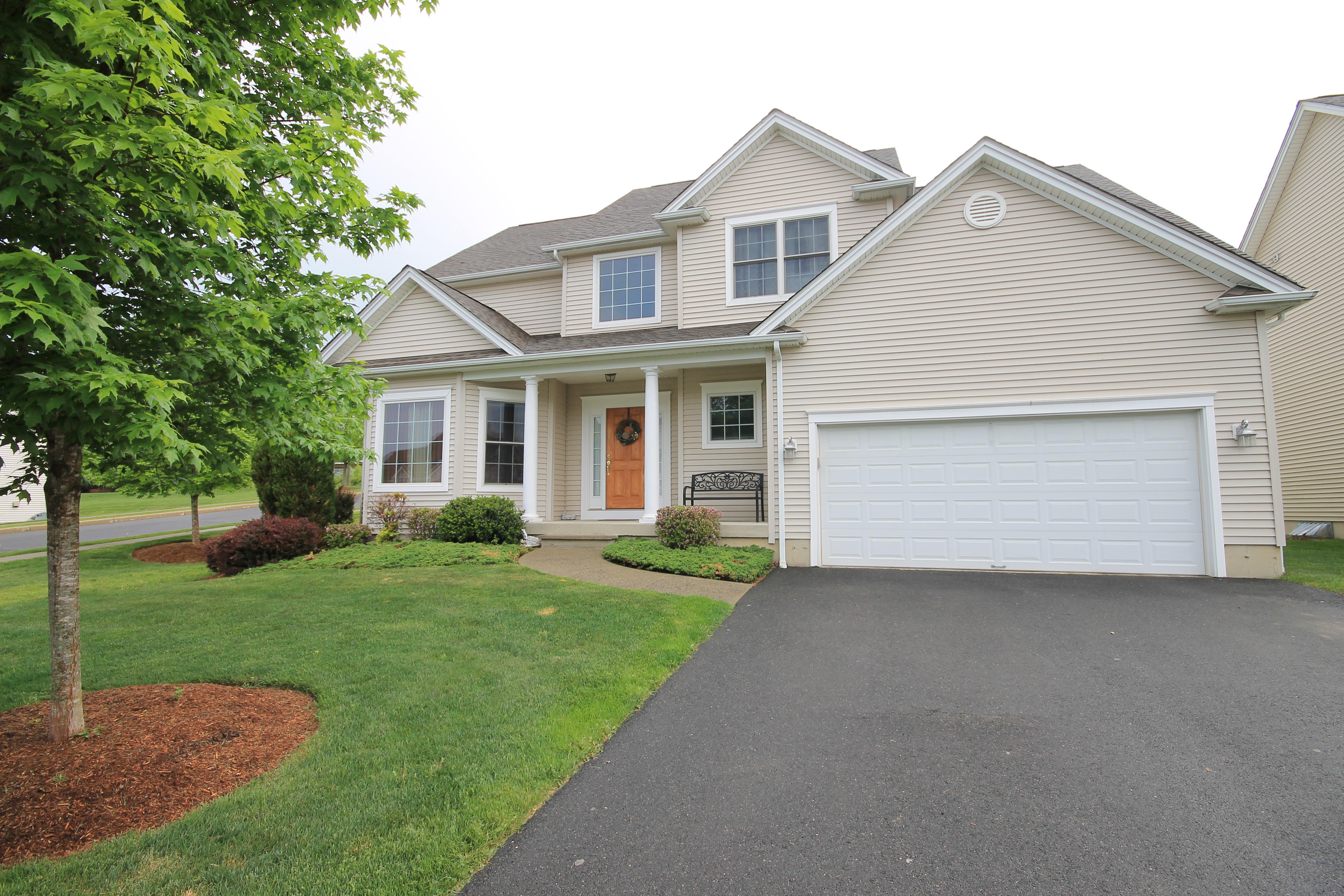 Condominium for Sale at Tobins Farm 9 Tobins Court 9 Danbury, Connecticut 06810 United States