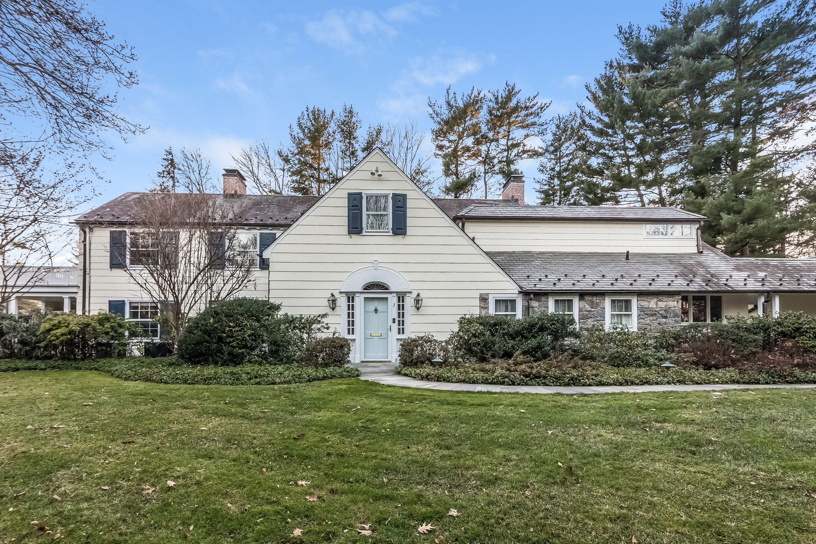 Single Family Home for Sale at Delightful Scarsdale Colonial 2 Richbell Road Scarsdale, New York, 10583 United States