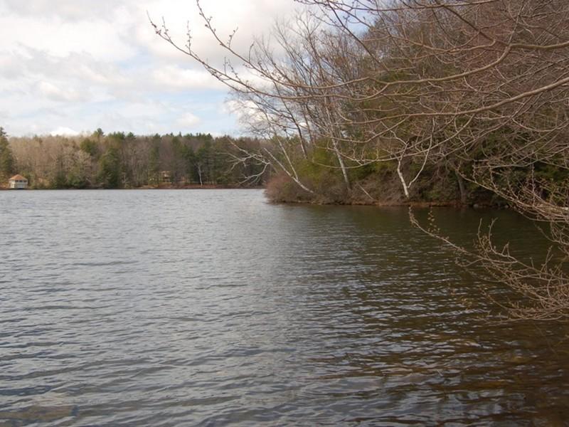 Terrain pour l Vente à Unique Monterey Lakefront Property Hupi Rd Monterey, Massachusetts 01245 États-Unis
