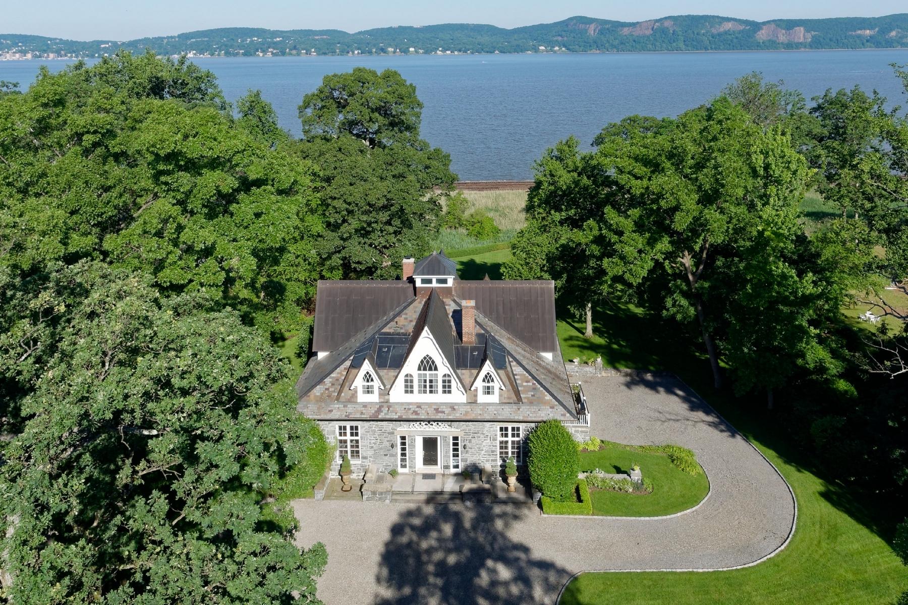 Maison unifamiliale pour l Vente à Hudson Riverfront 7 Pokahoe Drive Sleepy Hollow, New York 10591 États-Unis