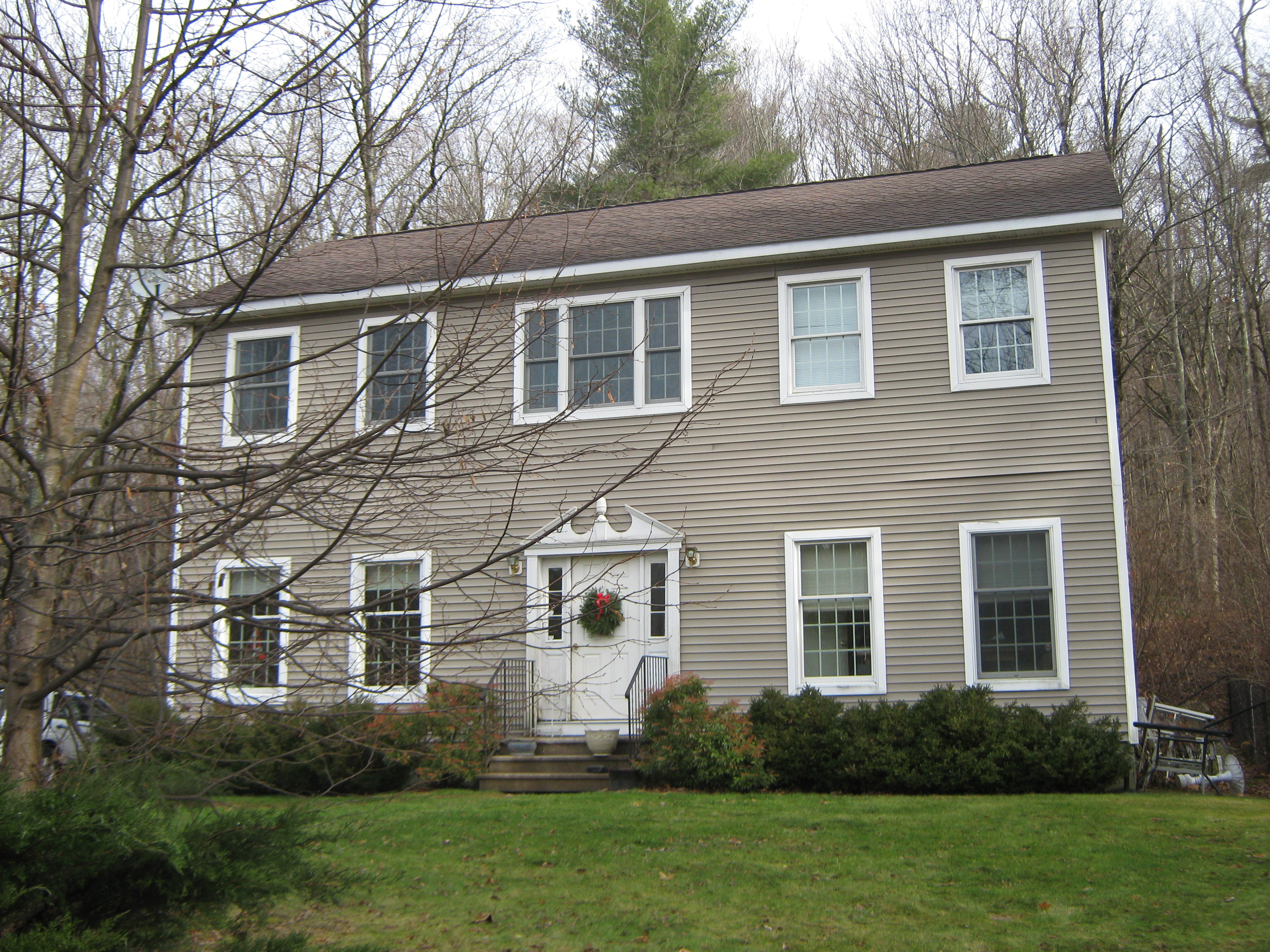 Moradia para Venda às Spacious Colonial Minutes To Downtown Great Barrington 85 Brush Hill Rd Great Barrington, Massachusetts, 01230 Estados Unidos