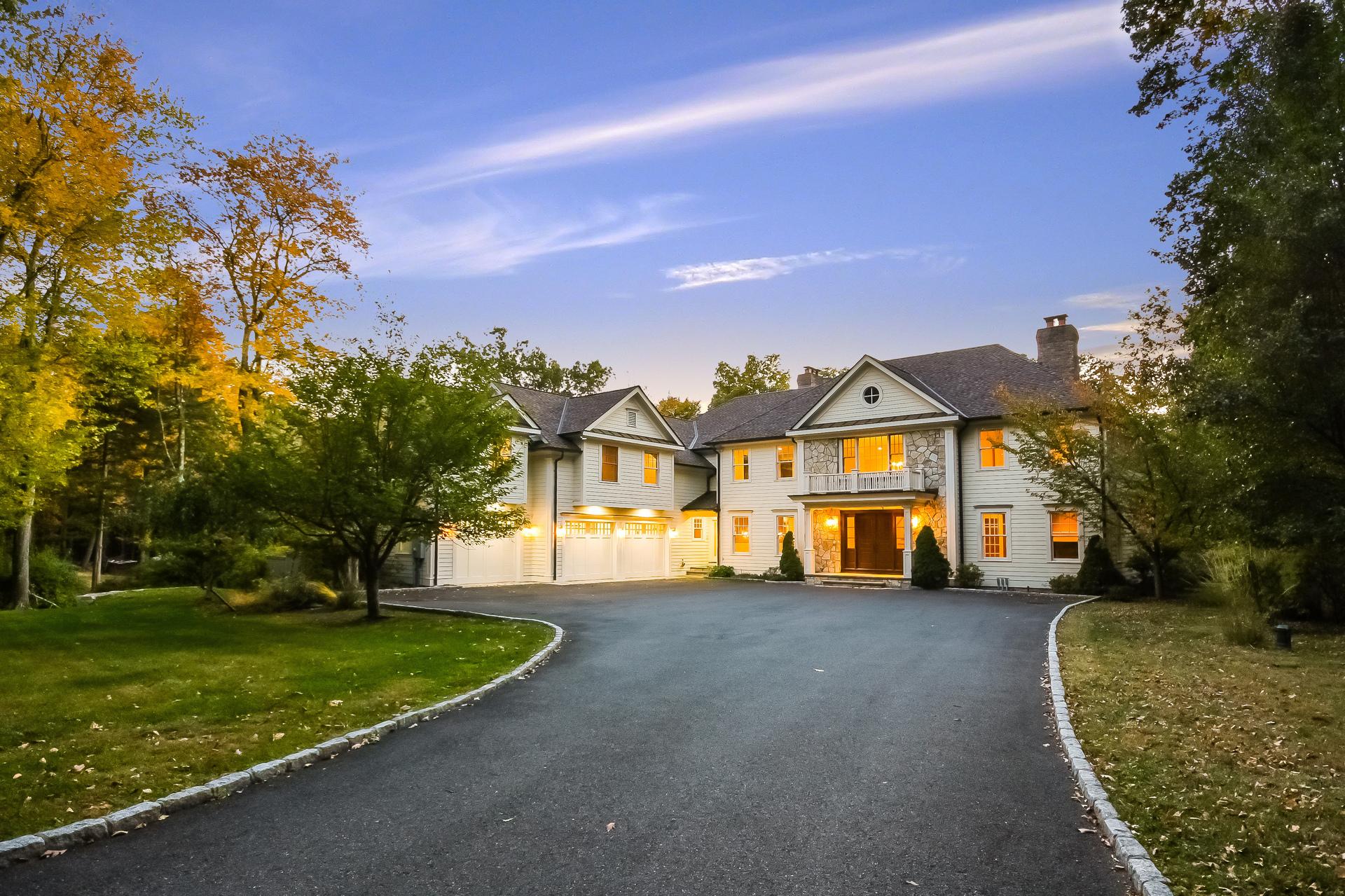 단독 가정 주택 용 매매 에 Unprecedented Value 21 Richmond Hill Road Weston, 코네티컷, 06883 미국