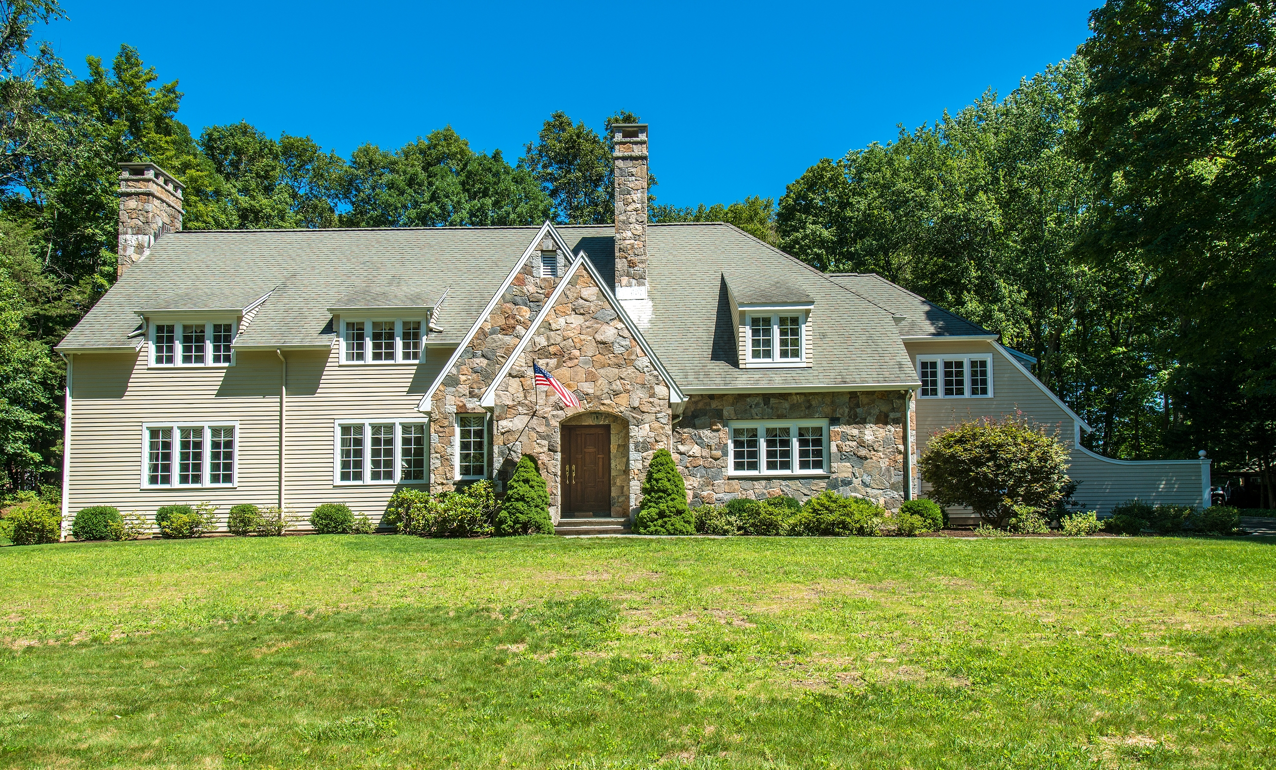 Casa Unifamiliar por un Venta en 93 Sleepy Hollow Road New Canaan, Connecticut, 06840 Estados Unidos