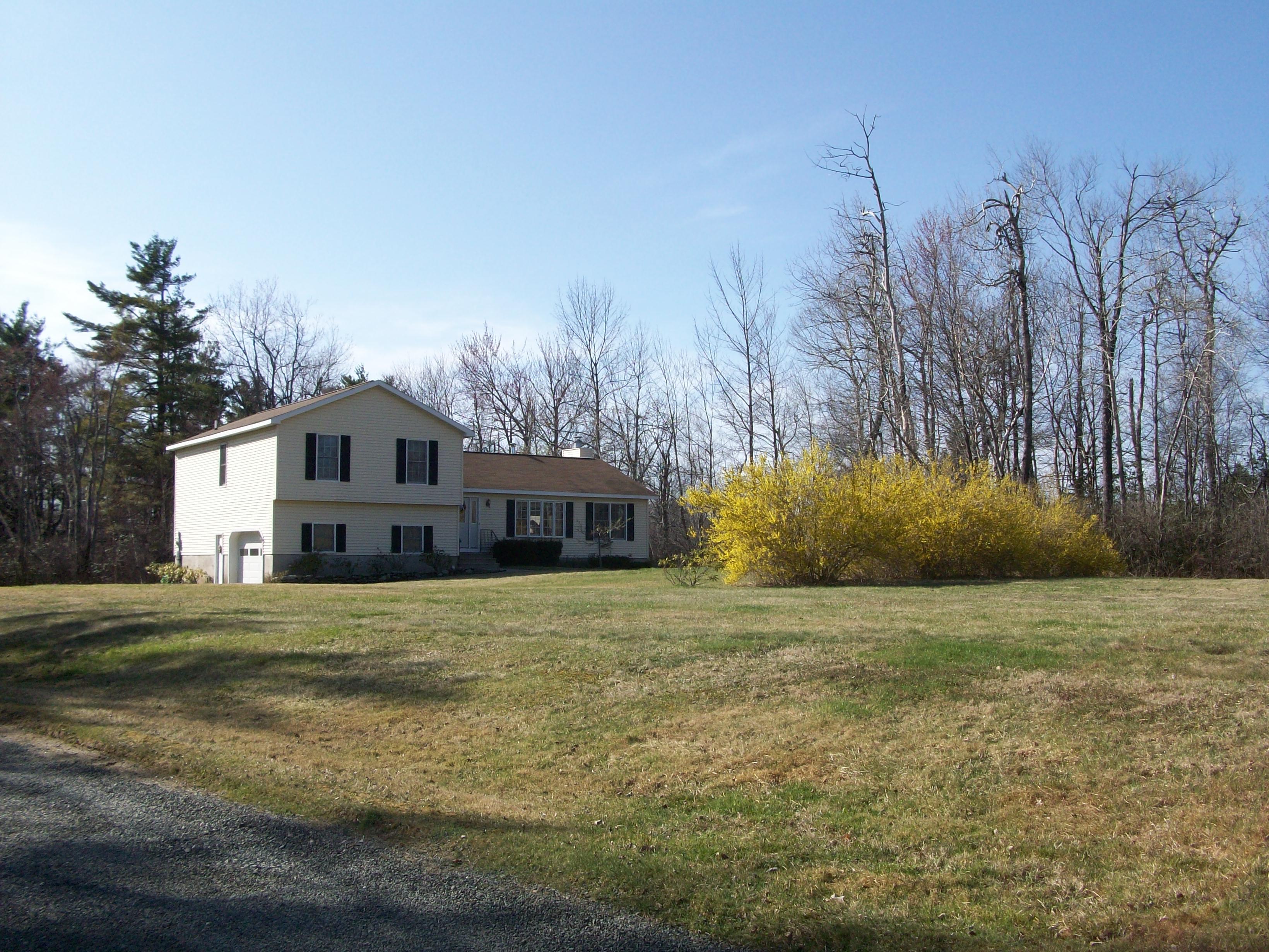 Частный односемейный дом для того Продажа на Utmost Privacy 35 Blackland Rd Goshen, Коннектикут 06756 Соединенные Штаты