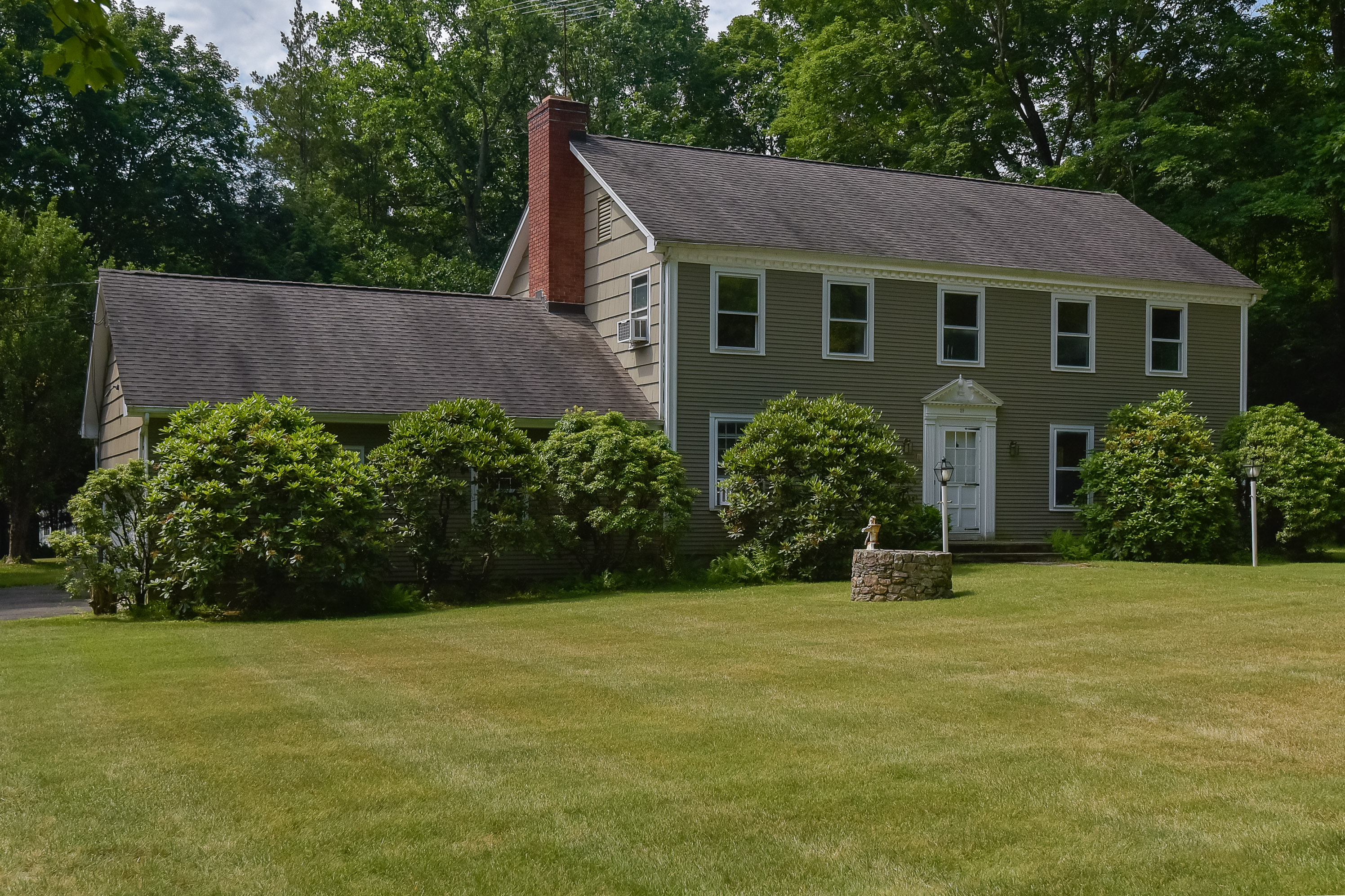 Single Family Home for Sale at North Stamford Colonial 29 Middle Ridge Road Stamford, Connecticut, 06903 United States