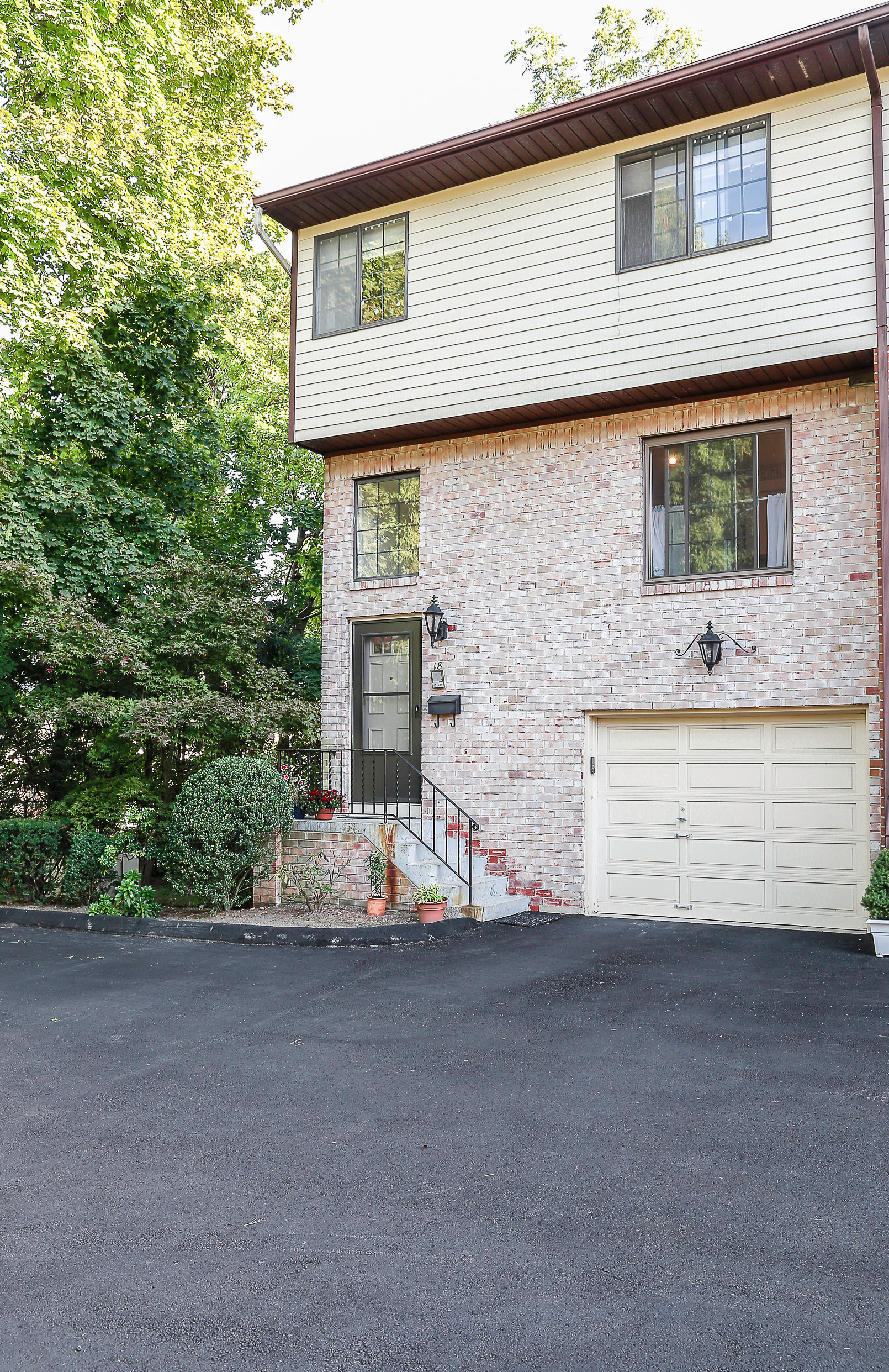 Property For Sale at Pinewood Estates End Unit