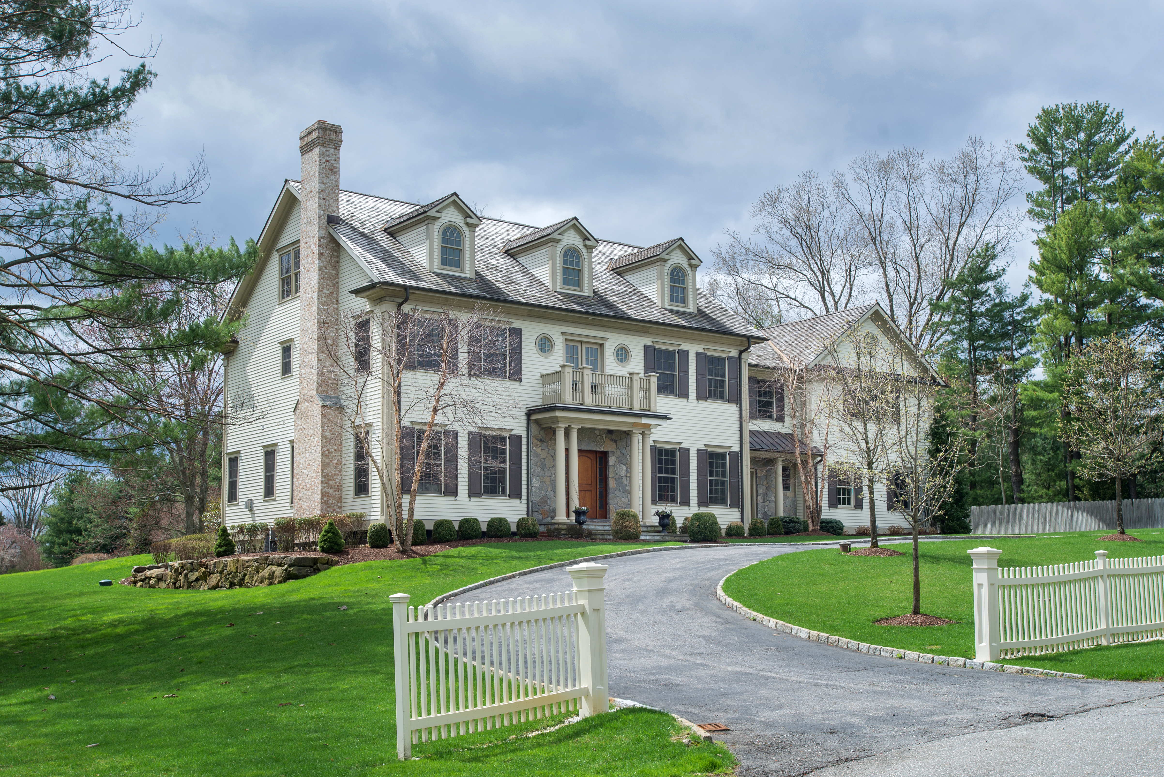 Property For Sale at Live and Entertain in Style