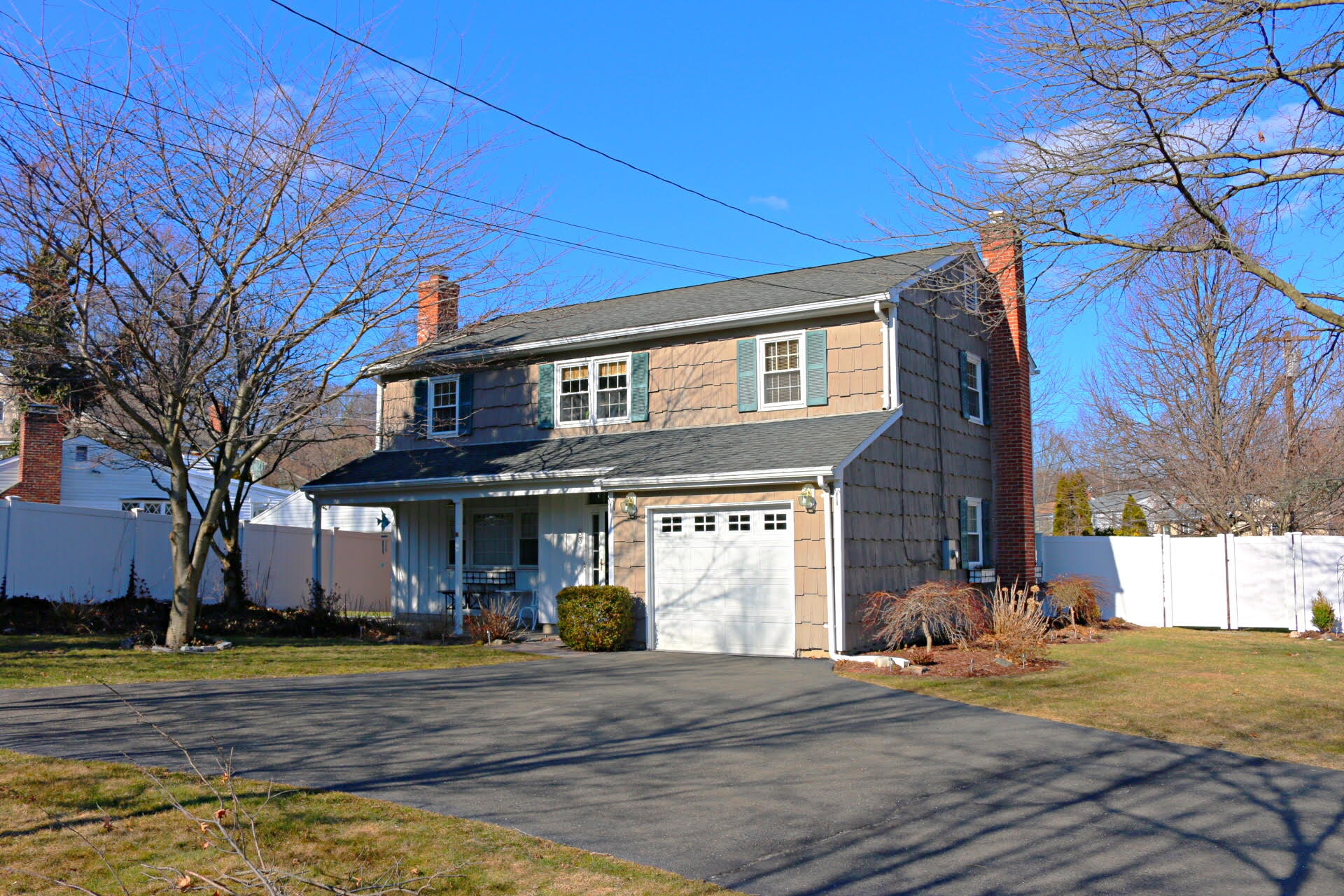 Single Family Home for Sale at Charming Cozy Colonial 83 Lancer Road Riverside, Connecticut, 06878 United States