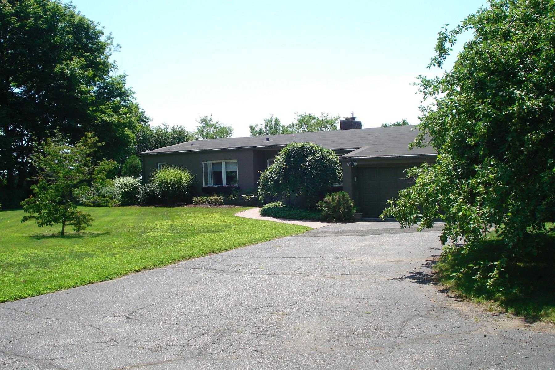 단독 가정 주택 용 매매 에 Expansive Water Views 245 Bayview Boulevard Stratford, 코네티컷 06615 미국