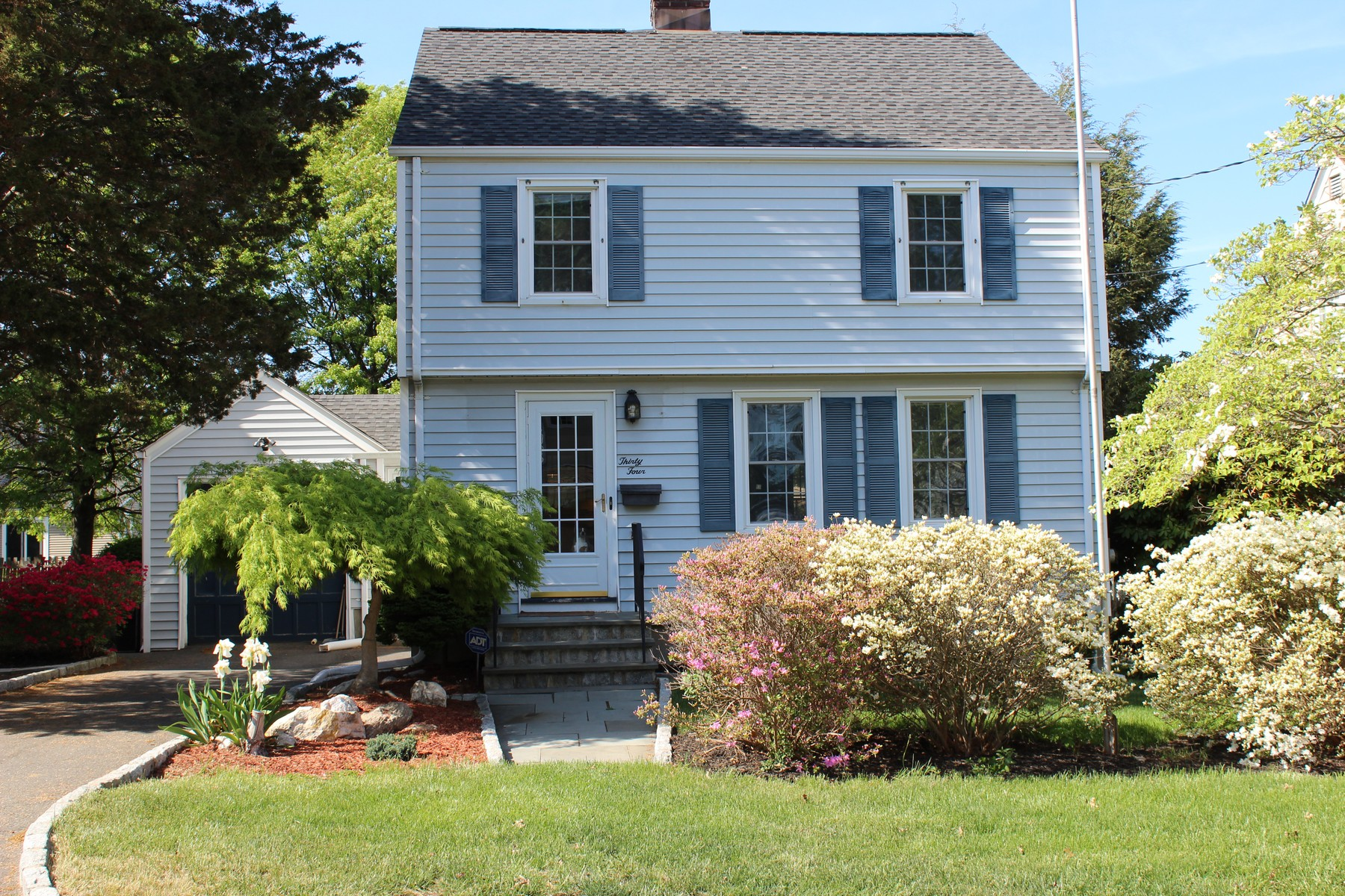 Single Family Home for Sale at Pride in Ownership Shows in this Paradise Green Colonial on a Quiet Street 34 Vine Street Stratford, Connecticut, 06614 United States
