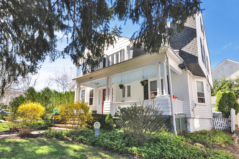 独户住宅 为 销售 在 Charming Village Victorian 365 Park Avenue 拉伊, 纽约州, 10580 美国