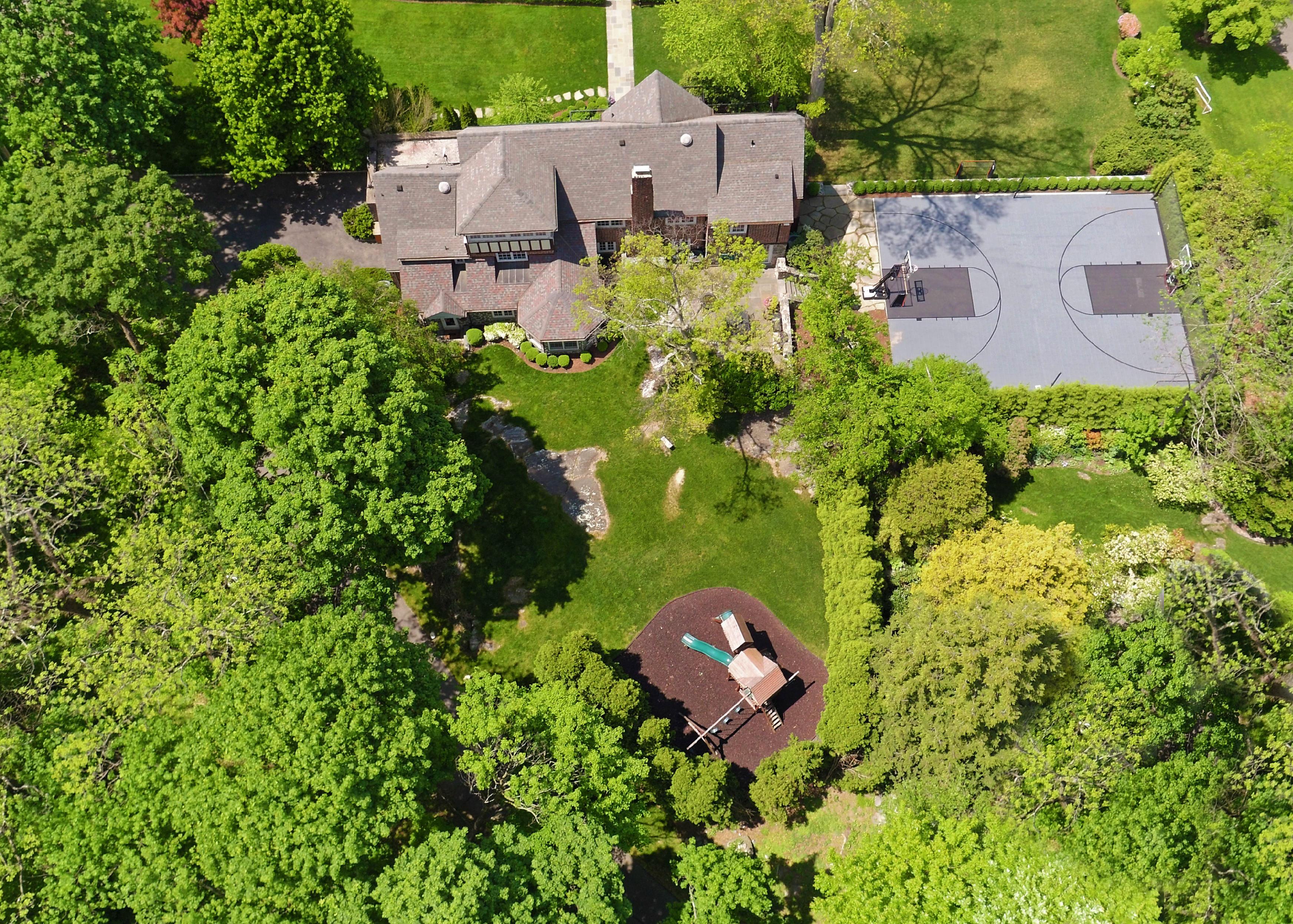 Maison unifamiliale pour l Vente à 15 Ridgewood Drive Rye, New York, 10580 États-Unis