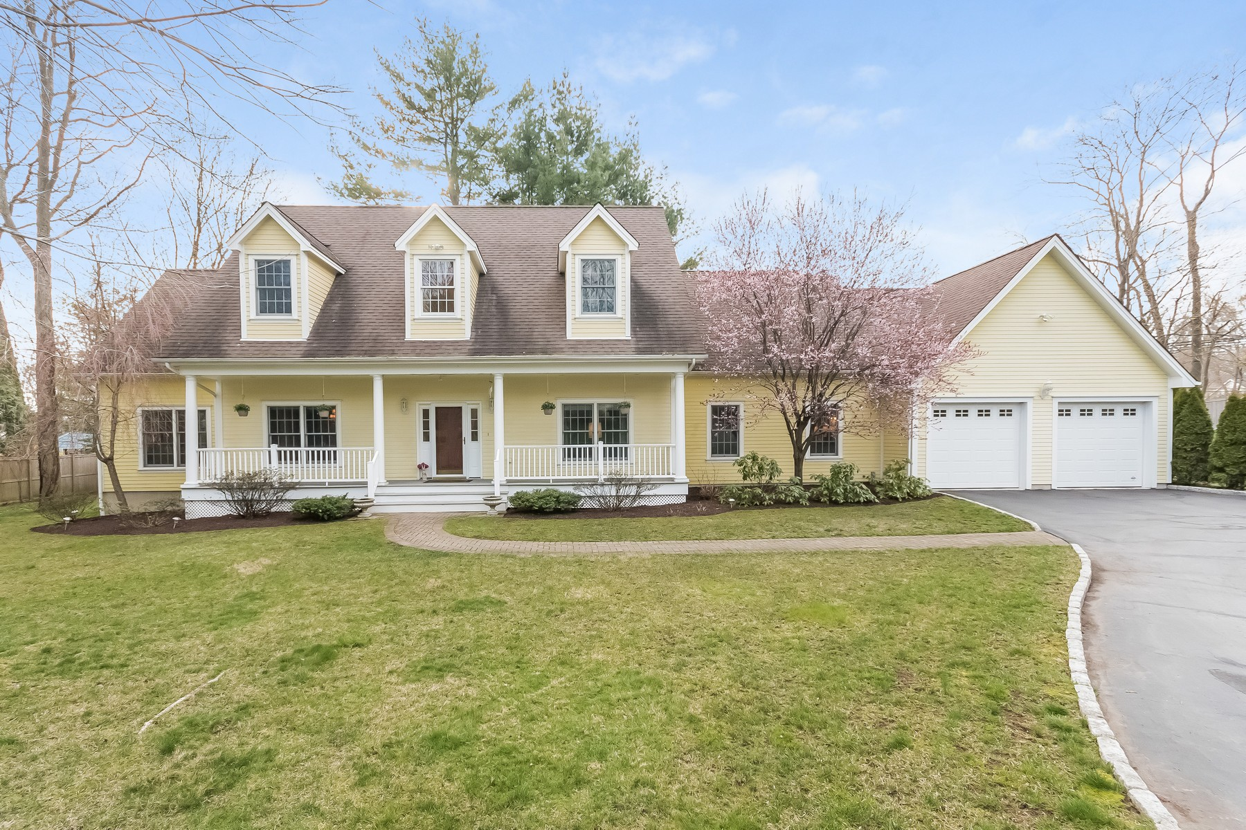 Single Family Home for Sale at Seagate Waterfront Association 1 Lighthouse Way Darien, Connecticut, 06820 United States