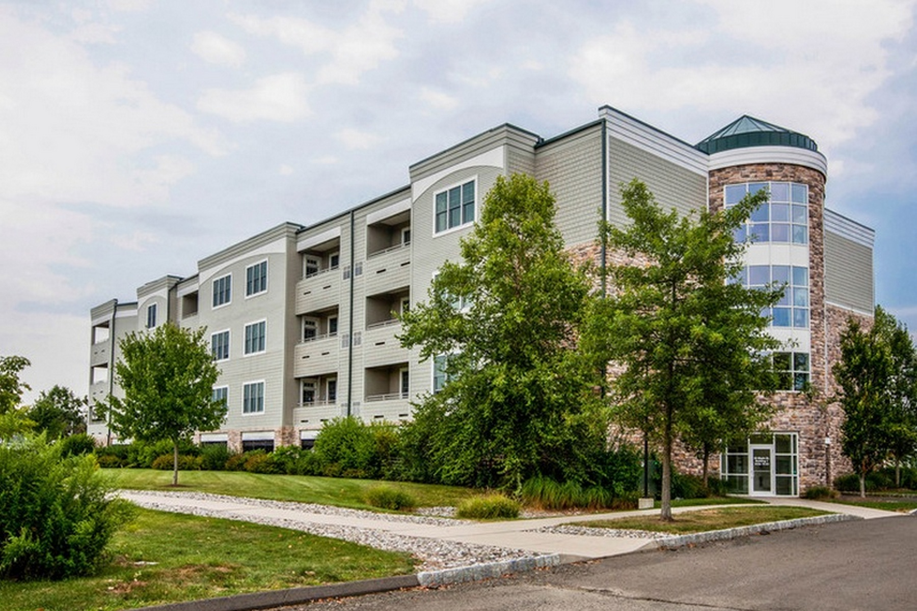 Condomínio para Venda às 60 Maple St 60 Maple St 29 Branford, Connecticut 06405 Estados Unidos