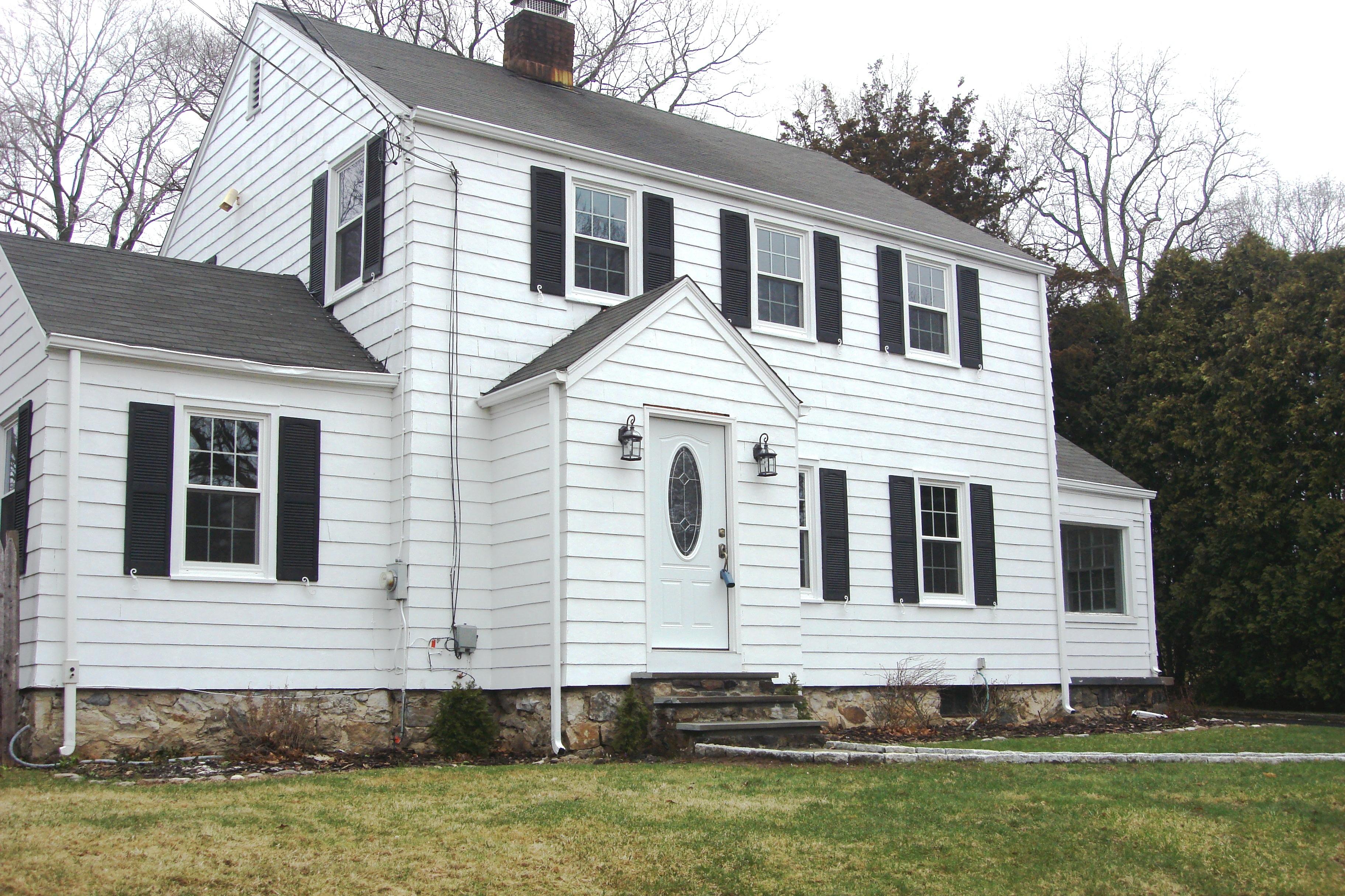 獨棟家庭住宅 為 出售 在 Remodeled for Today's Living 139 Richards Avenue Norwalk, 康涅狄格州 06854 美國
