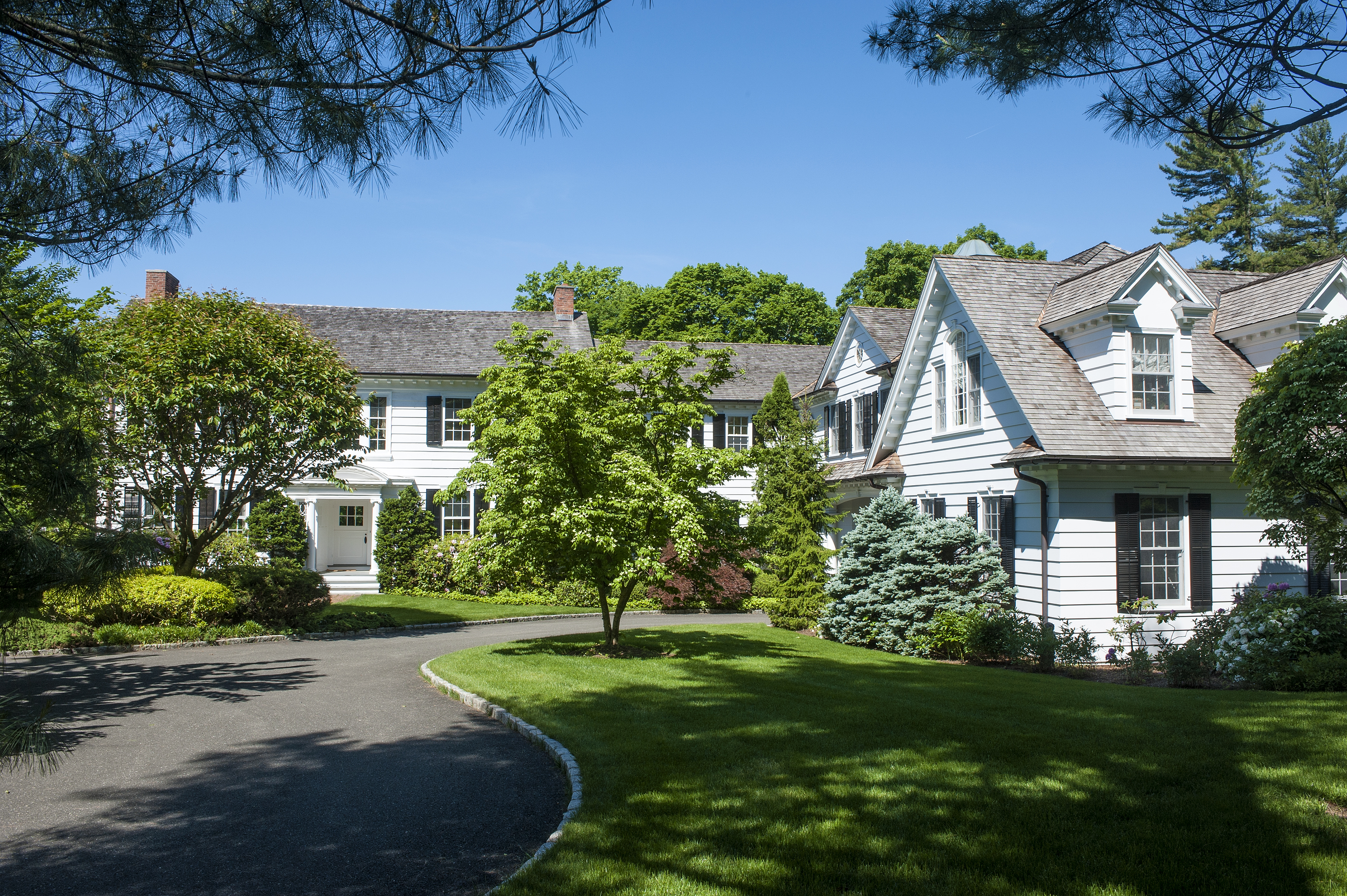 Single Family Home for Sale at Landmark New Canaan Estate 648 Smith Ridge Road New Canaan, Connecticut, 06840 United States