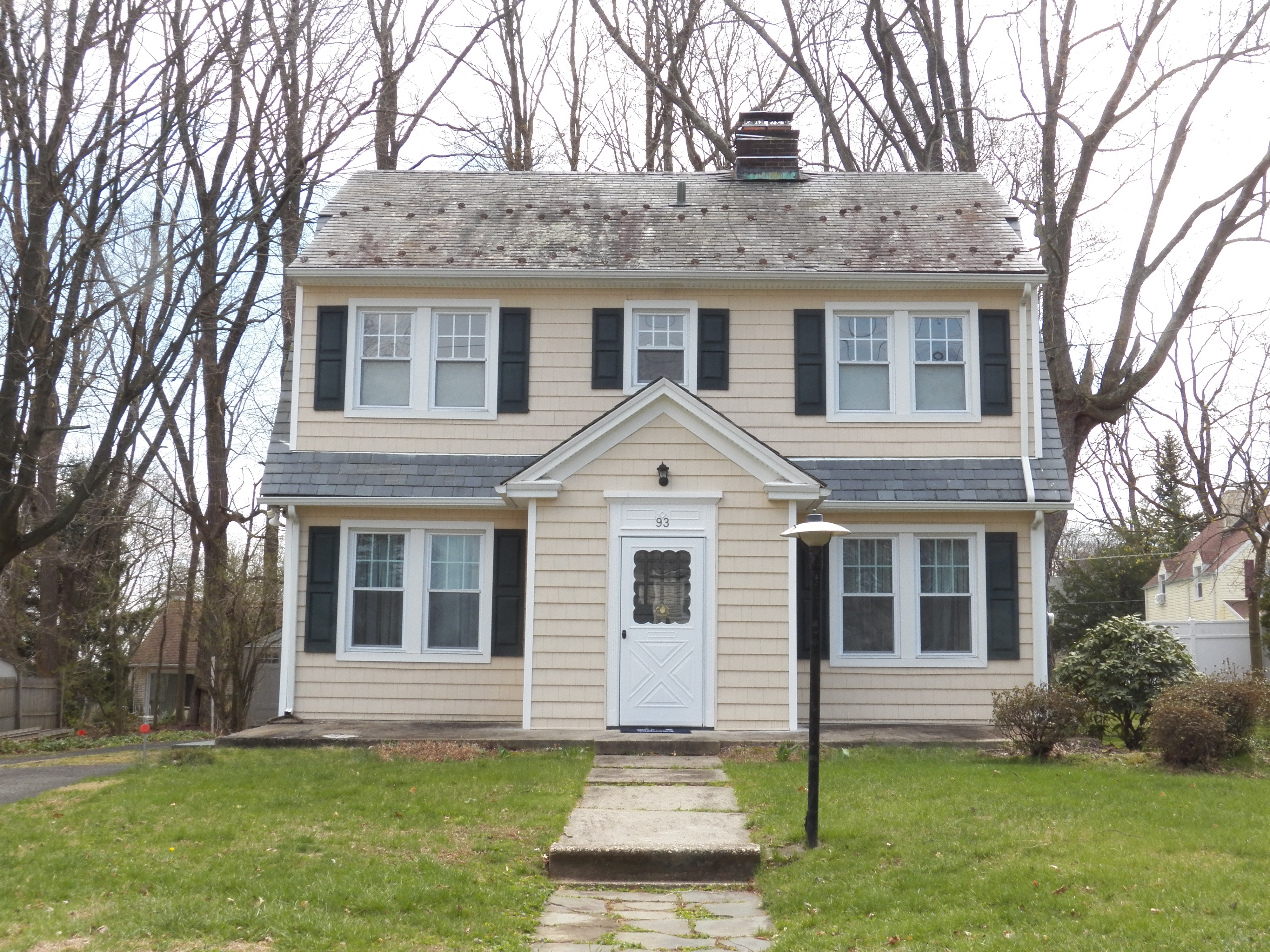 Single Family Home for Sale at Charming Colonial 93 Augustine Road White Plains, New York, 10603 United States