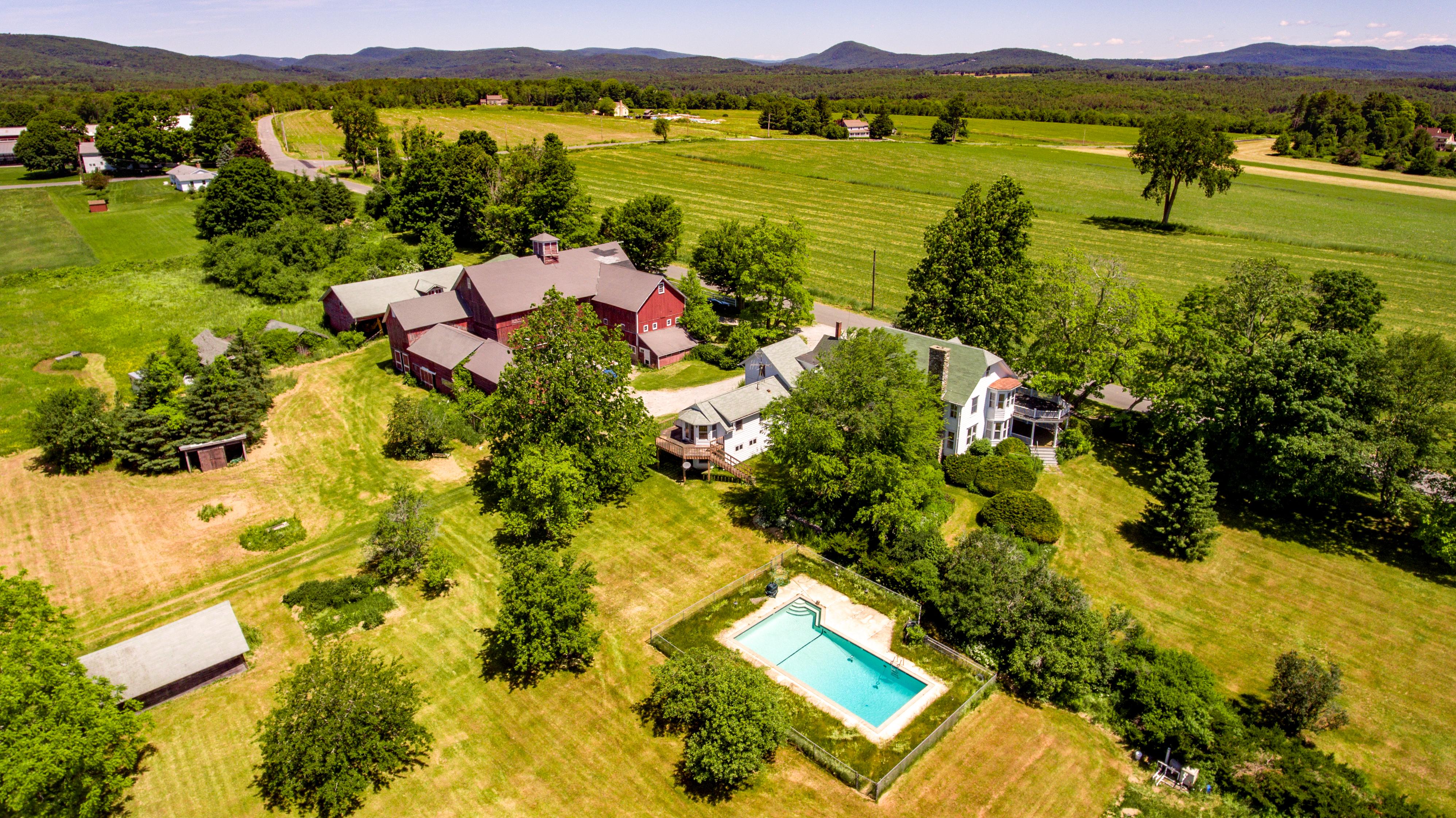 Maison unifamiliale pour l Vente à Baldwin Hill Farm - an Iconic Berkshire Property 121 Baldwin Hill Rd Egremont, Massachusetts, 01258 États-Unis