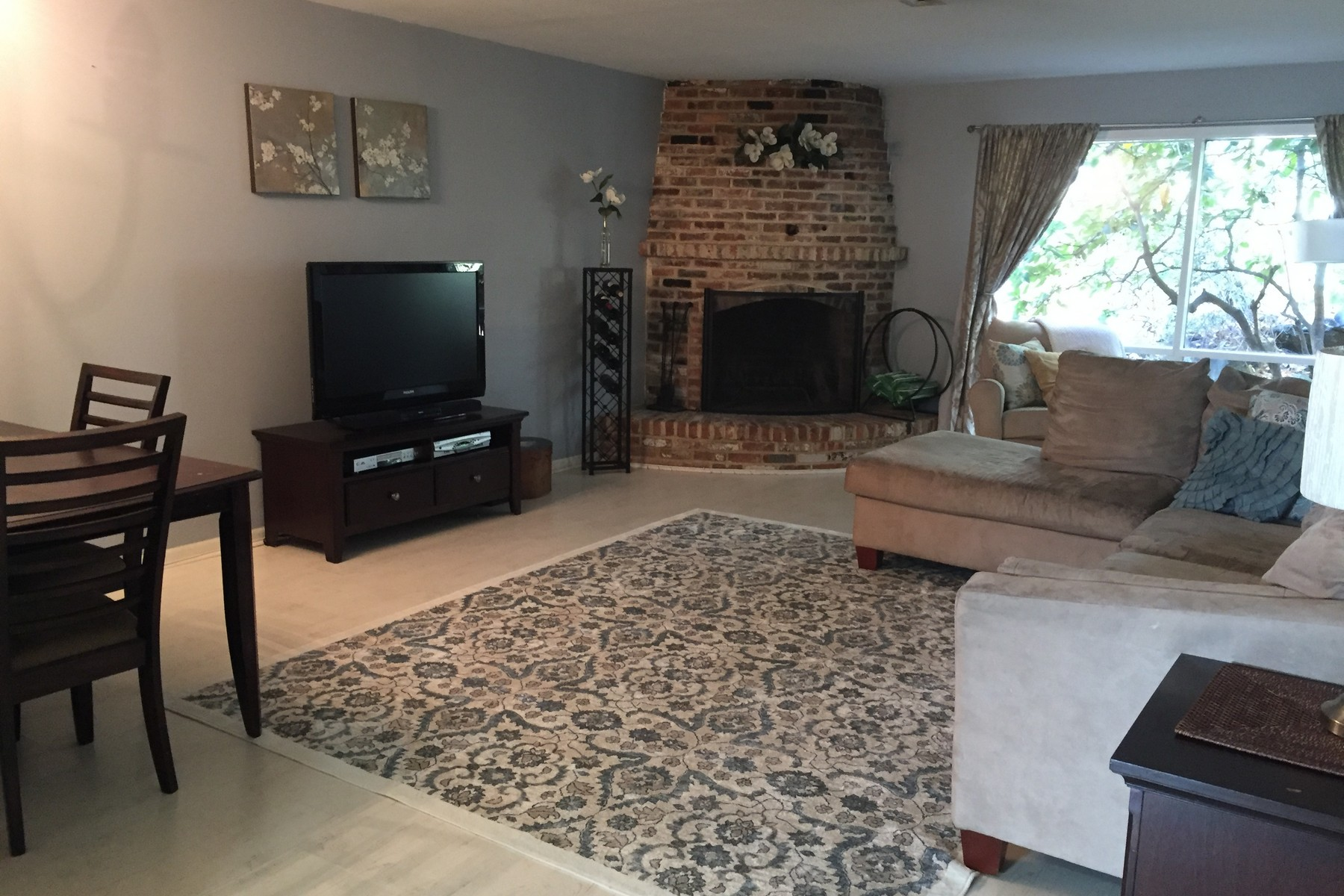 Condominium for Sale at Desirable Ledgebrook 22 Ledgebrook Drive 22 Norwalk, Connecticut, 06854 United States