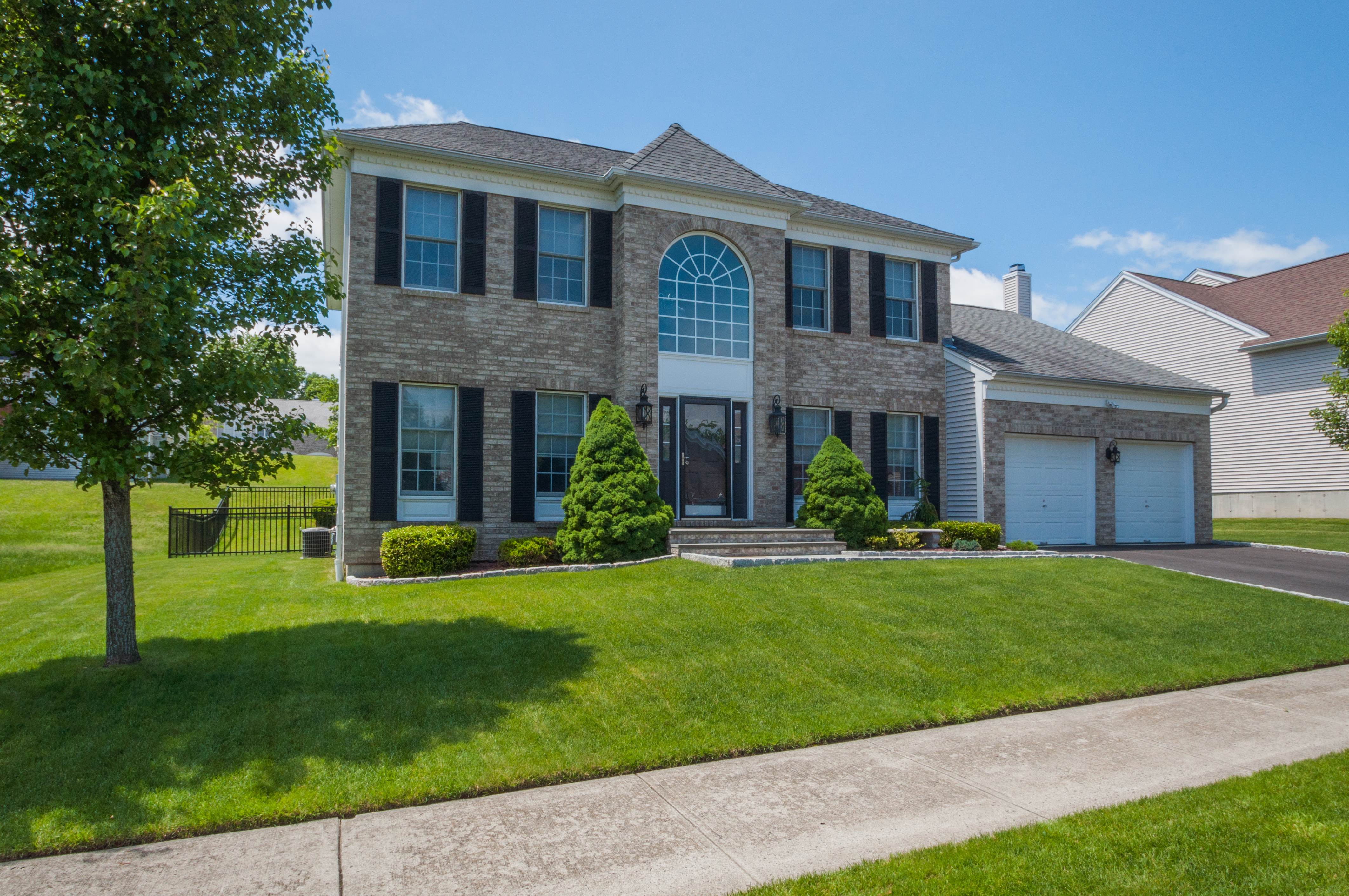 Single Family Home for Sale at Luxury Living At It's Best 8 Lilac Lane Danbury, Connecticut 06810 United States
