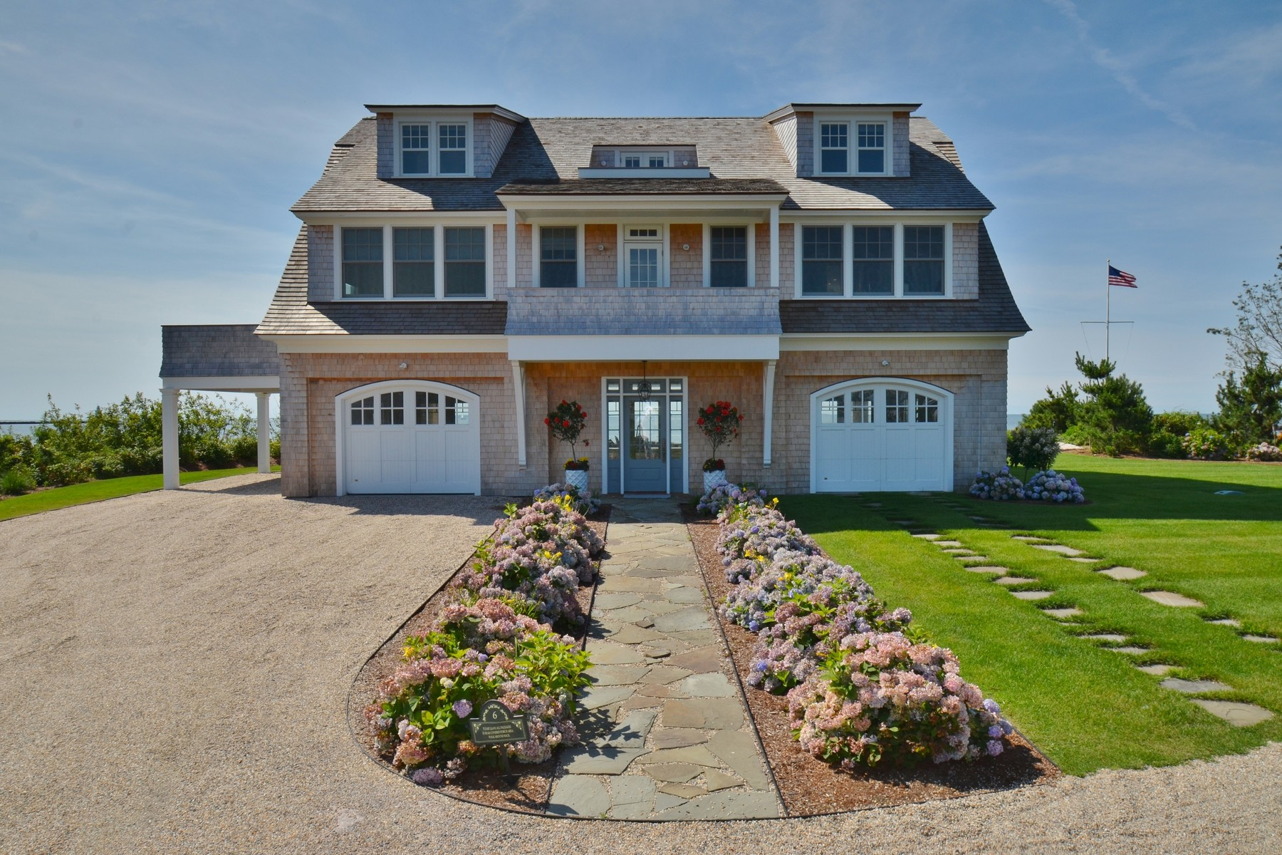 Casa Unifamiliar por un Venta en Waterfront Paradise 6 Mohegan Ave Old Saybrook, Connecticut 06475 Estados Unidos