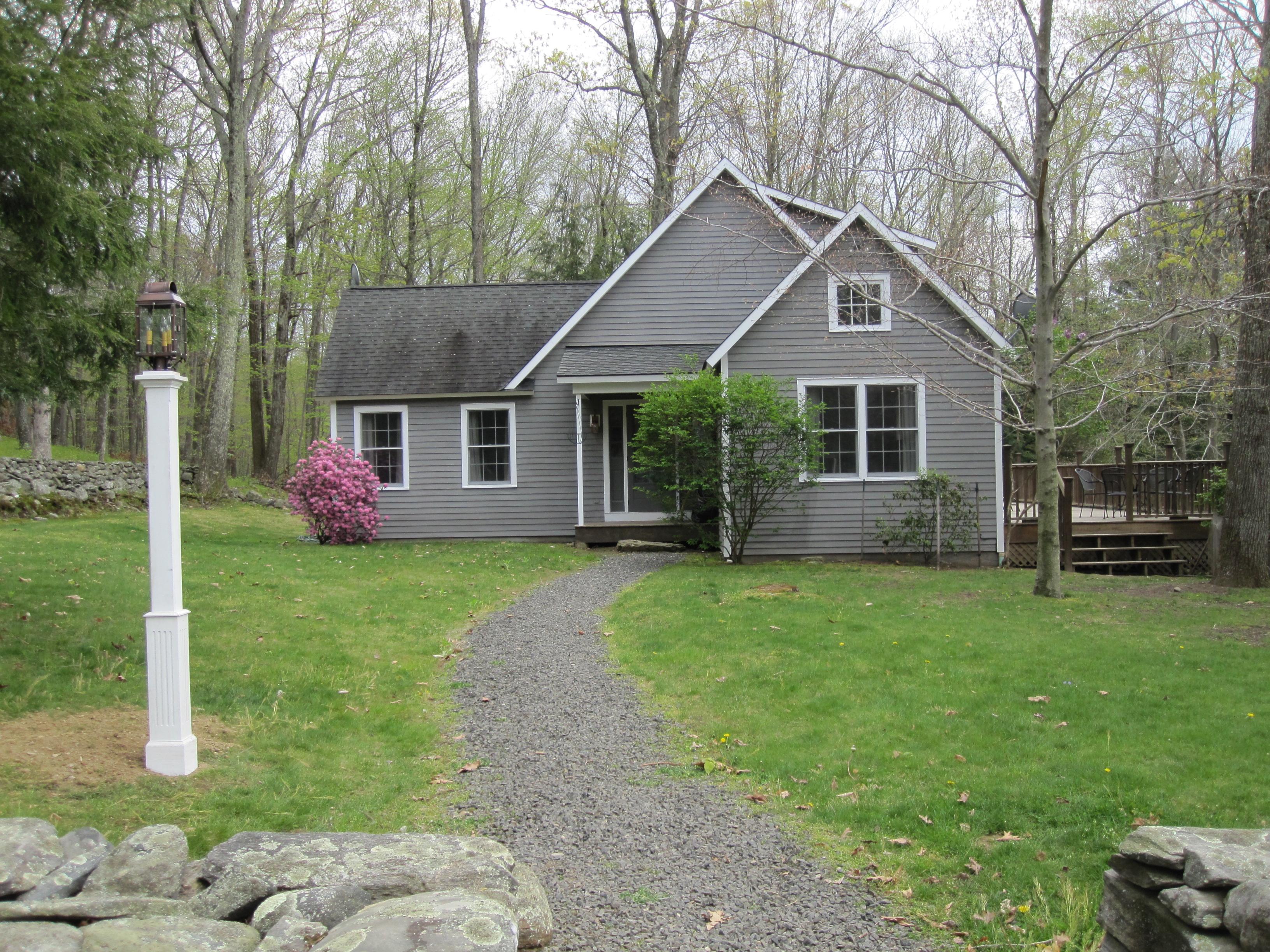 Casa Unifamiliar por un Venta en Deer Crest Cottage 402 Nettleton Hollow Rd Washington, Connecticut 06793 Estados Unidos
