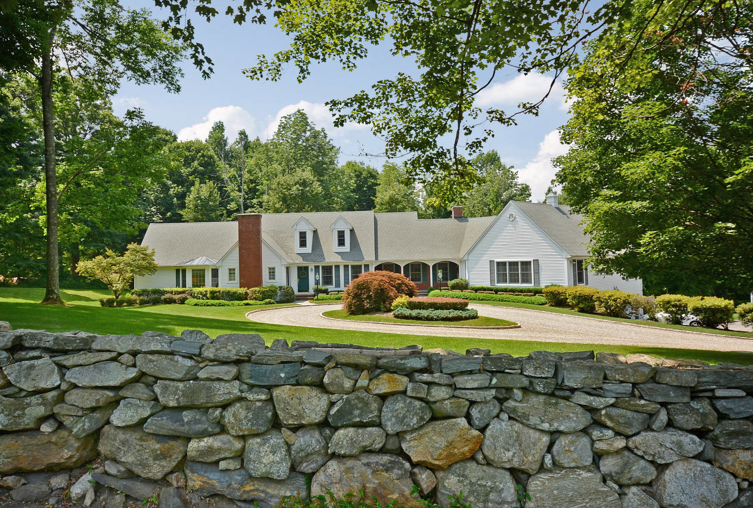 Single Family Home for Sale at Rambling Country Cape 593 North Salem Road Ridgefield, Connecticut 06877 United States