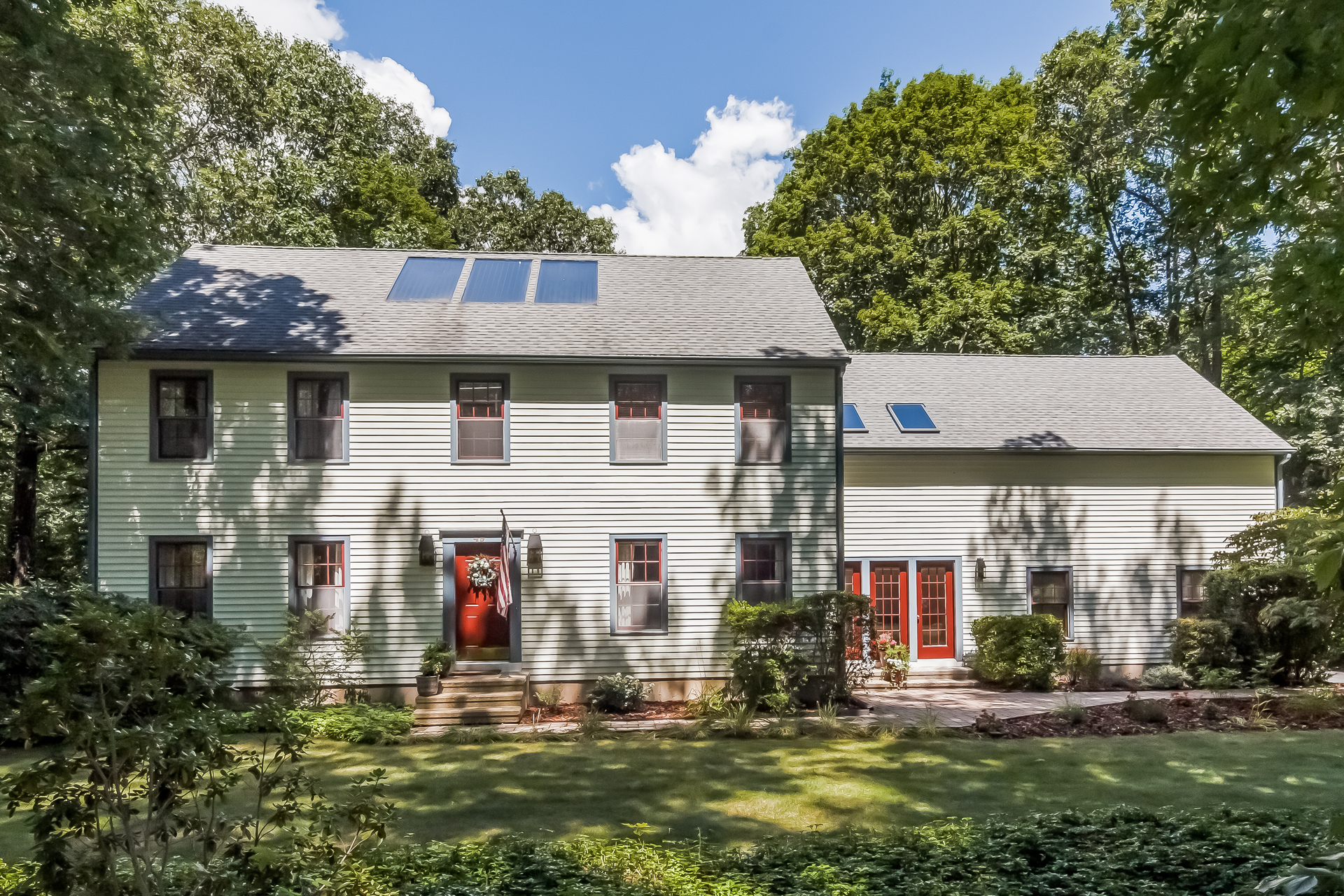 Single Family Home for Sale at 49 Old Miller Ln Guilford, Connecticut, 06437 United States