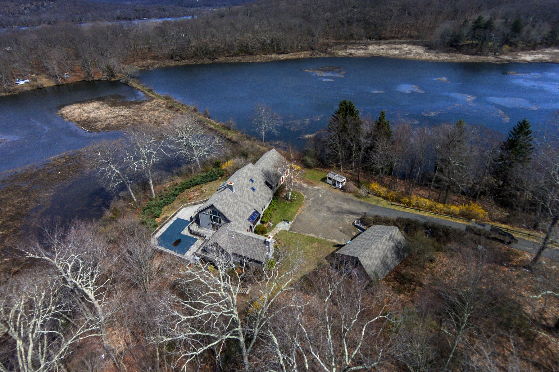 Single Family Home for Sale at Direct Waterfront Home Built by Yankee Barn 173 Essex St Deep River, Connecticut, 06417 United States