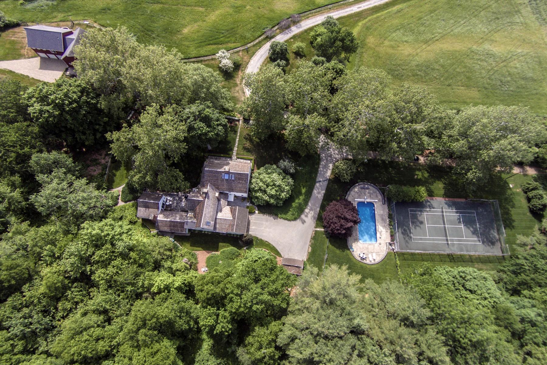 Casa Unifamiliar por un Venta en Gracious 18th Century Residence 551 Hamburg Rd Lyme, Connecticut 06371 Estados Unidos