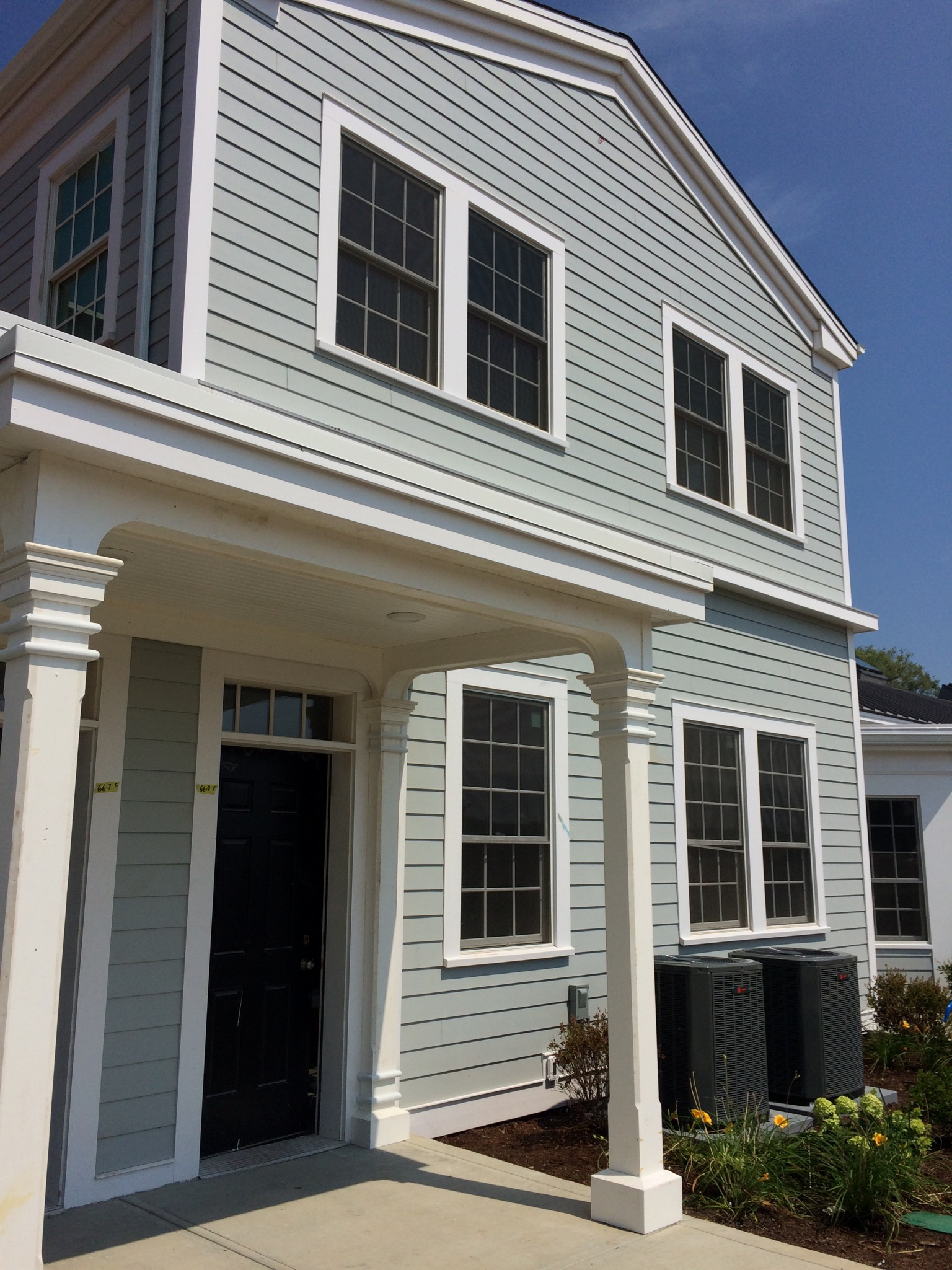Nhà chung cư vì Bán tại 66 High St 66 High St 8 Guilford, Connecticut, 06437 Hoa Kỳ