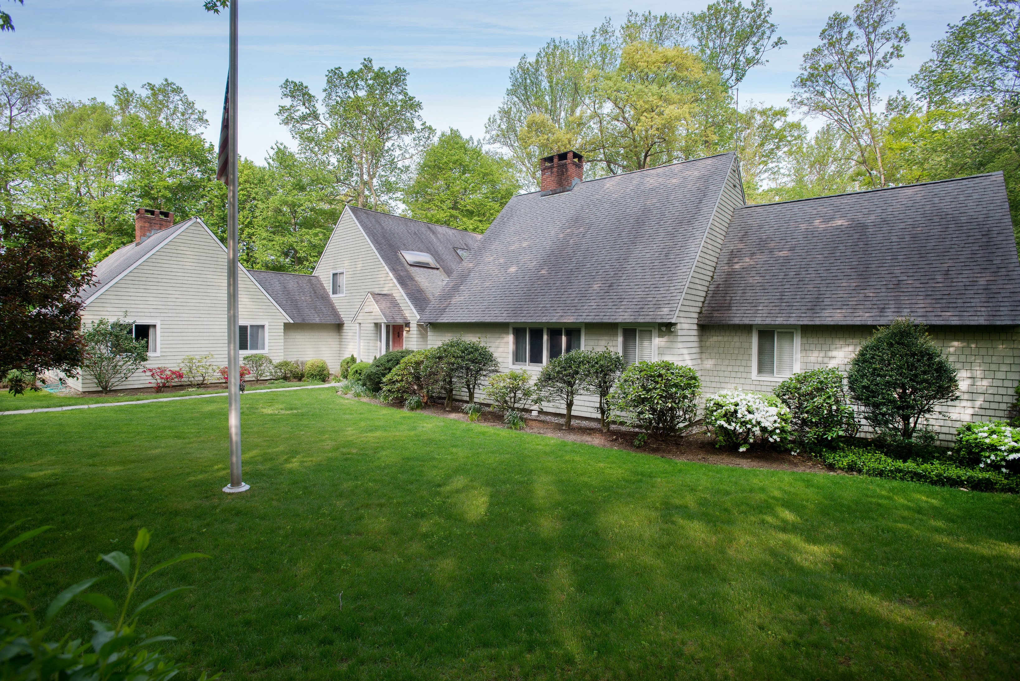 sales property at 81 Windrow Lane