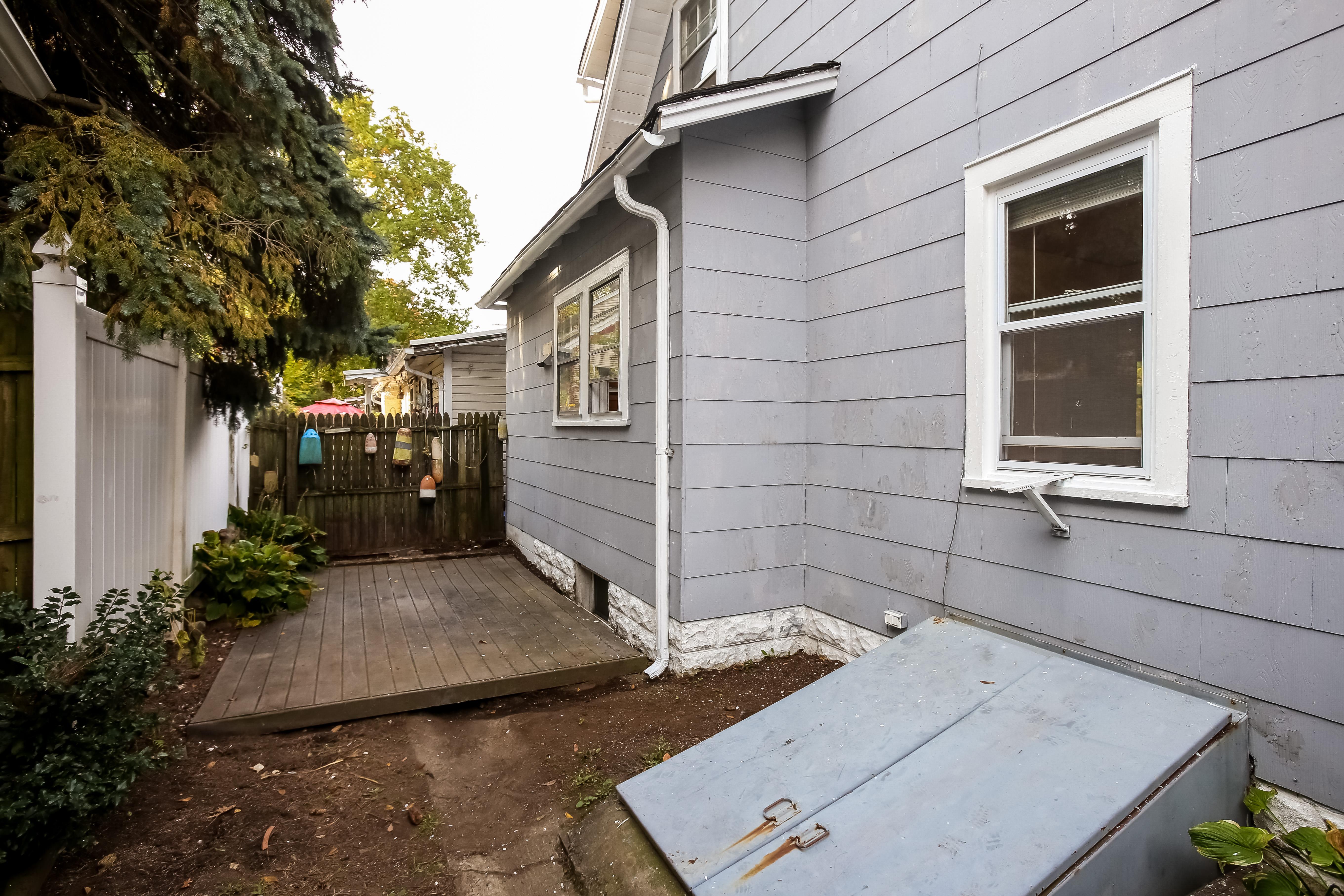 Property Of 2 Wainwright Street