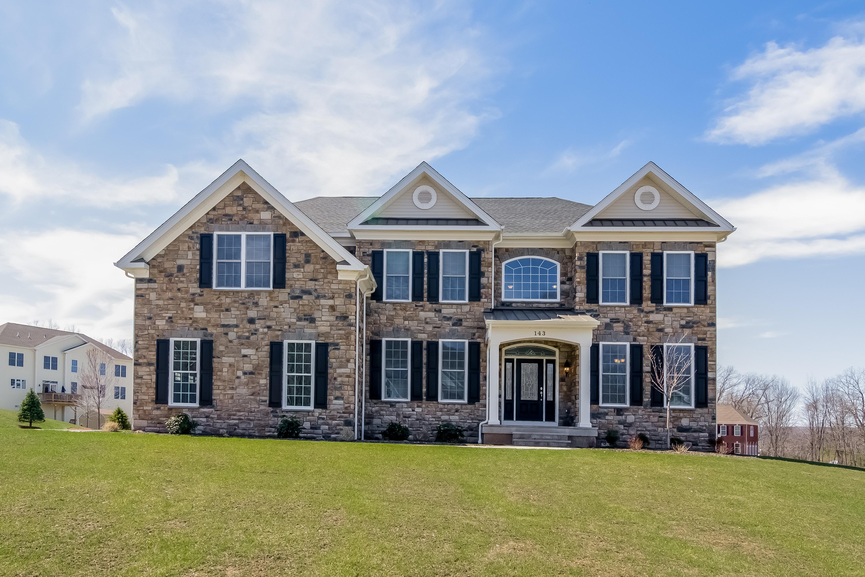 Nhà ở một gia đình vì Bán tại New Construction without the wait! 143 Rochela Drive Southington, Connecticut 06489 Hoa Kỳ