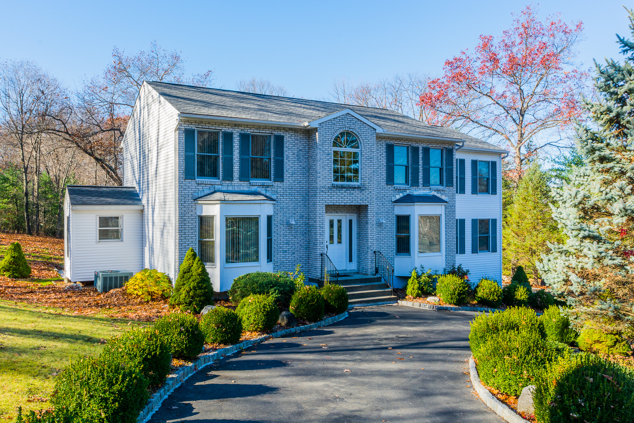Single Family Home for Sale at Breathtaking And Meticulous Colonial 4 Fox Den Road Danbury, Connecticut, 06811 United States