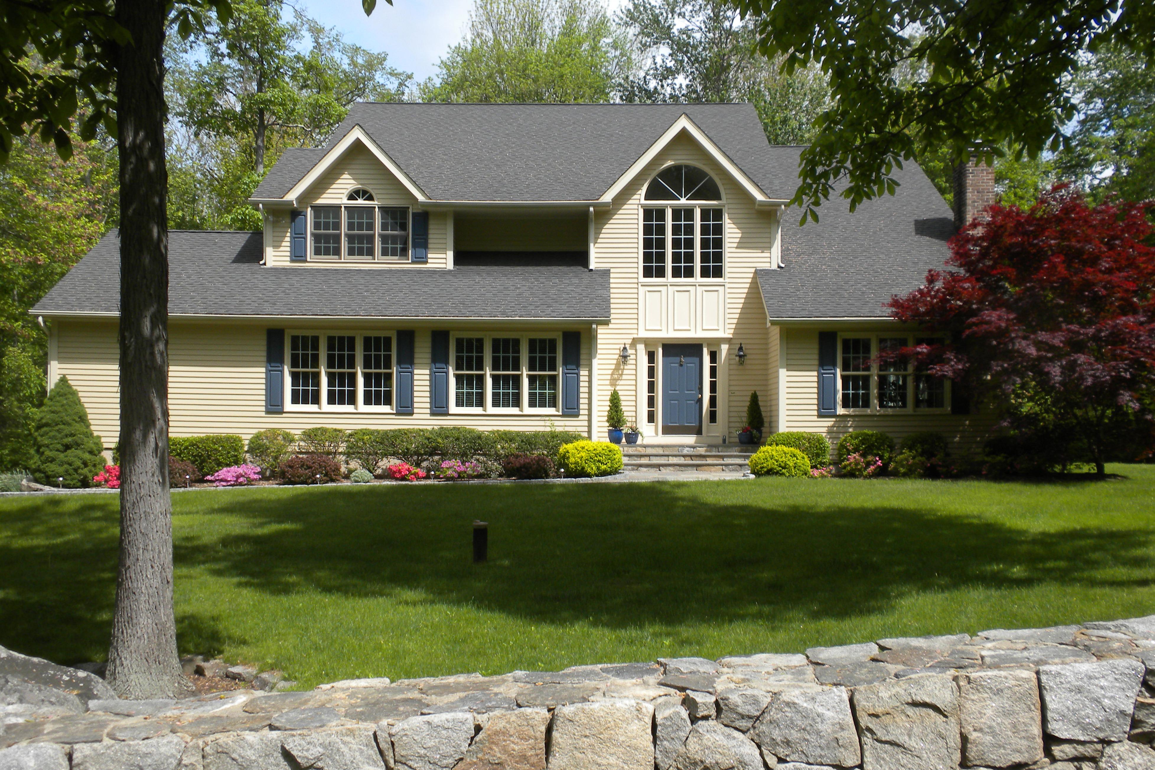 Villa per Vendita alle ore Pristine Turnkey Colonial 30 Ruscoe Road Wilton, Connecticut 06897 Stati Uniti