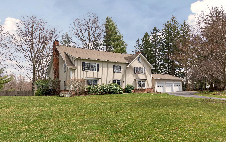 단독 가정 주택 용 매매 에 Exceptional Colonial 121 Saint Johns Road Ridgefield, 코네티컷, 06877 미국