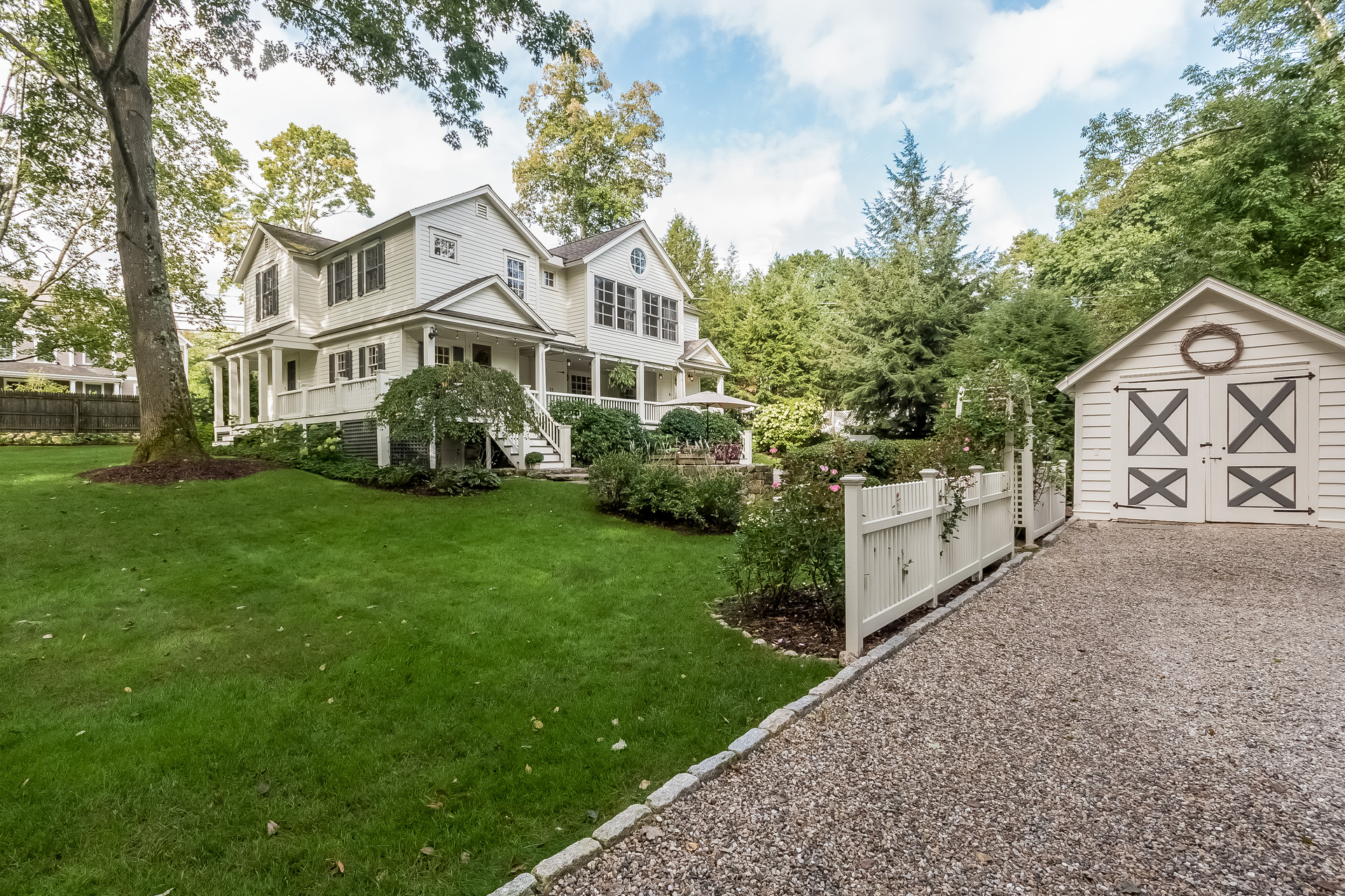 Vivienda unifamiliar por un Venta en Updated Antique Colonial 234 Silvermine Avenue Silvermine, Norwalk, Connecticut, 06850 Estados Unidos