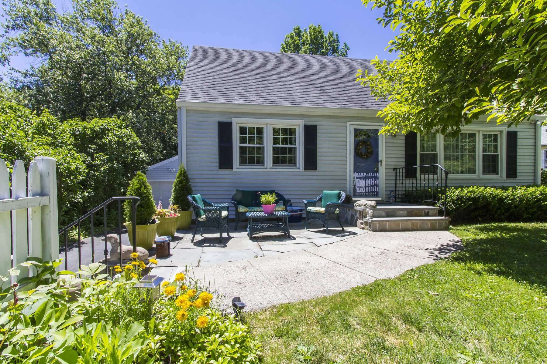 Single Family Home for Sale at In Town Living 9 Ramapoo Hill Road Ridgefield, Connecticut, 06877 United States