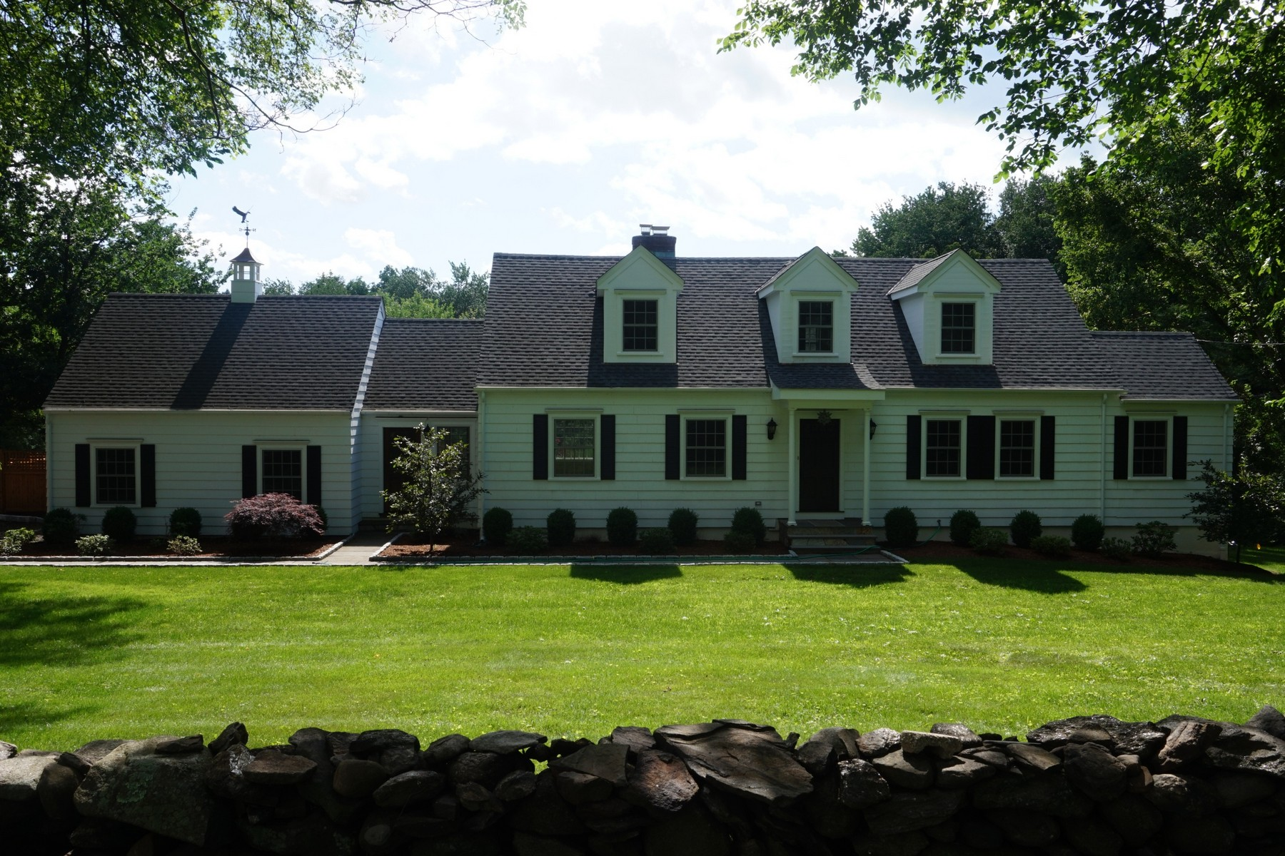 Single Family Home for Sale at Elegant Fairfield Cape Cod 849 Mill Hill Road Fairfield, Connecticut 06890 United States