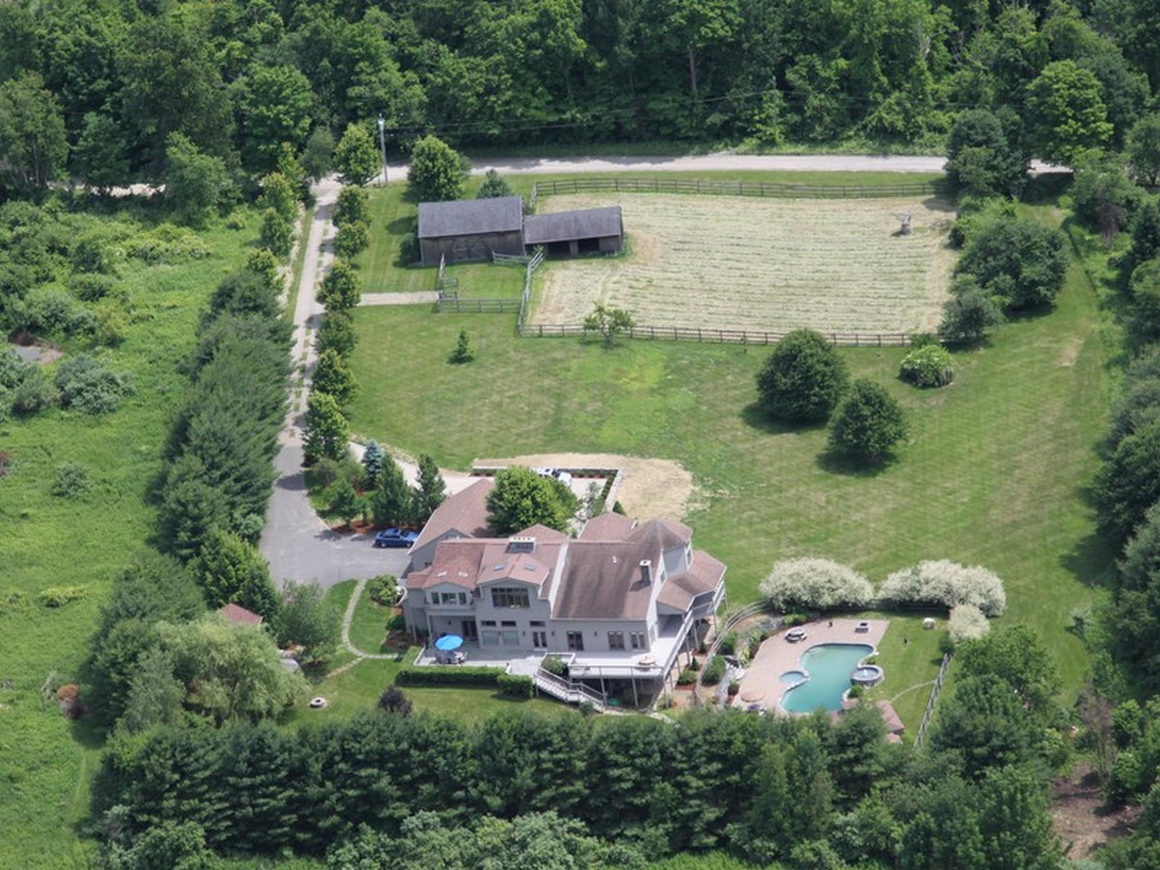 独户住宅 为 销售 在 20 Grassy Hill Road Roxbury, 康涅狄格州 06783 美国