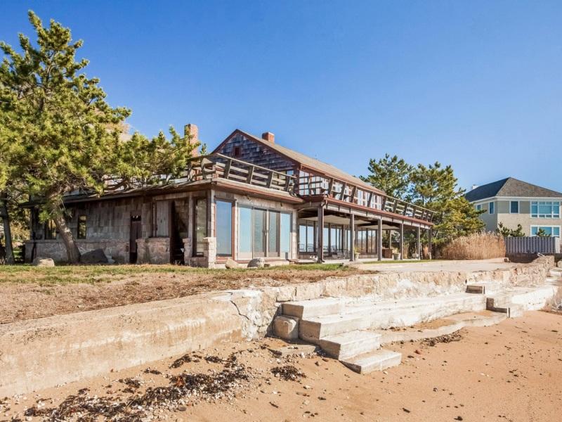 Einfamilienhaus für Verkauf beim Direct Waterfront - Sandy Beach 55 Vineyard Place Guilford, Connecticut 06437 Vereinigte Staaten