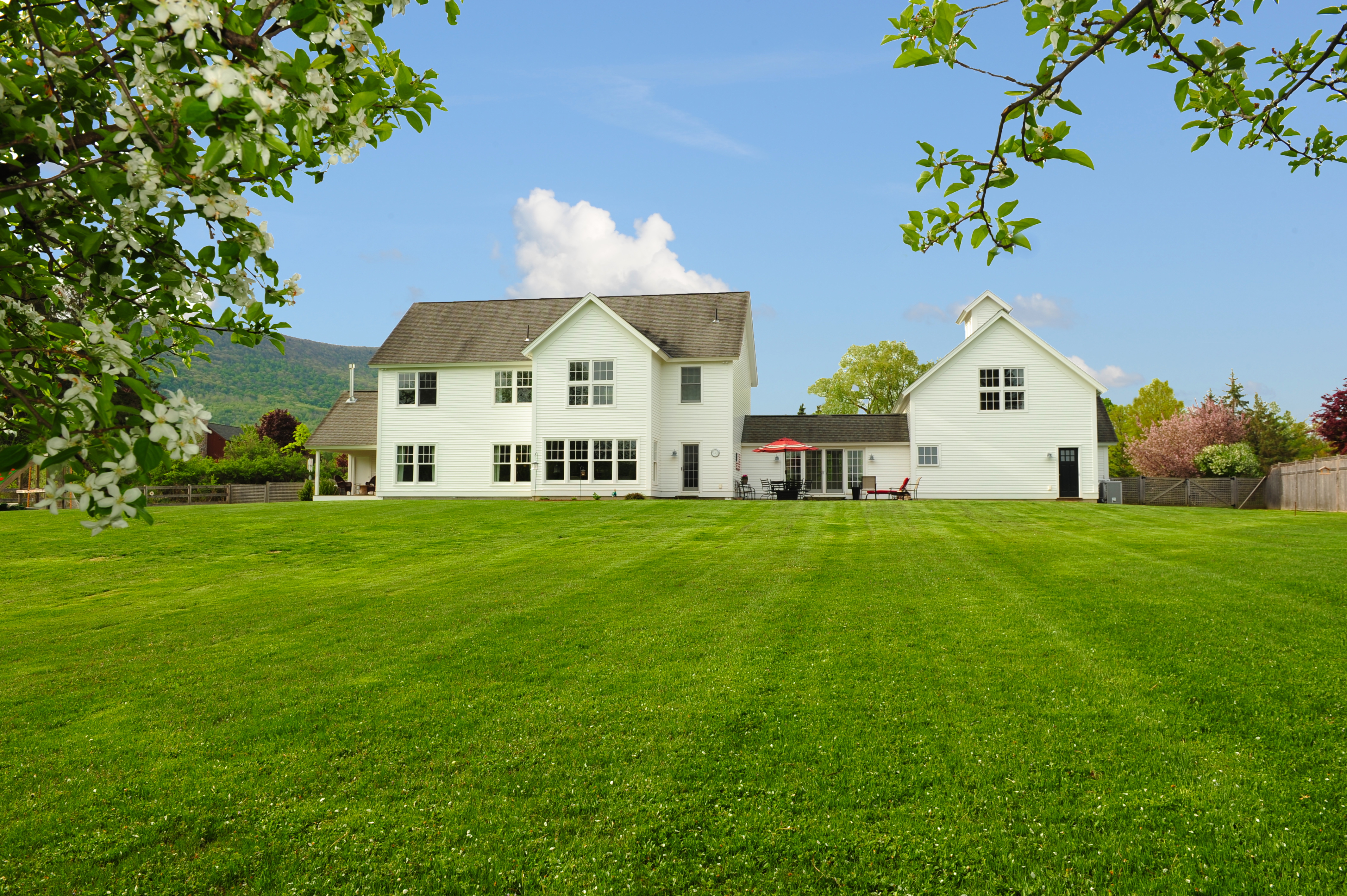 Single Family Home for Sale at Wonderful Custom Contemporary Home on Quiet Cul-De-Sac in Desirable Williamstown 26 Stoney Ledge Rd Williamstown, Massachusetts 01267 United States