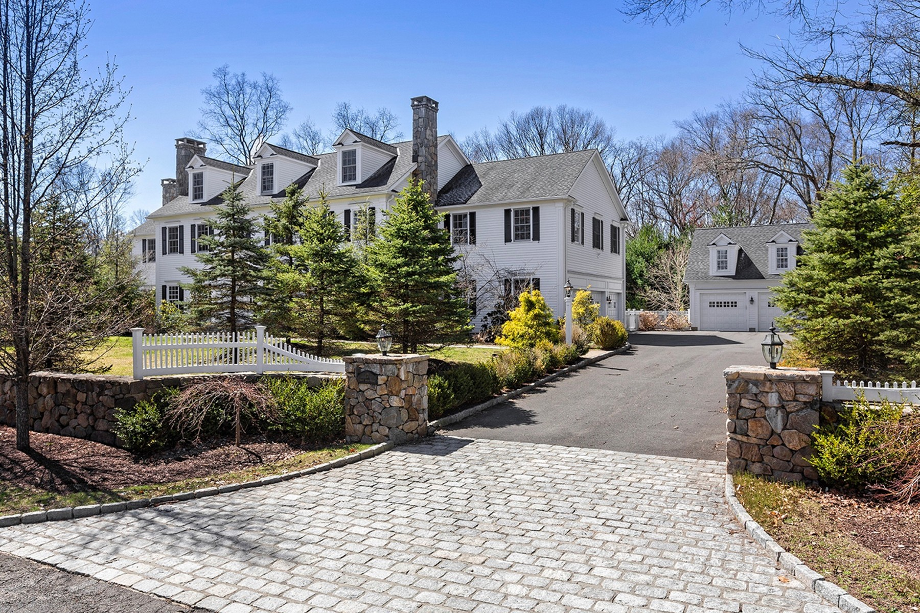 sales property at Weston Colonial