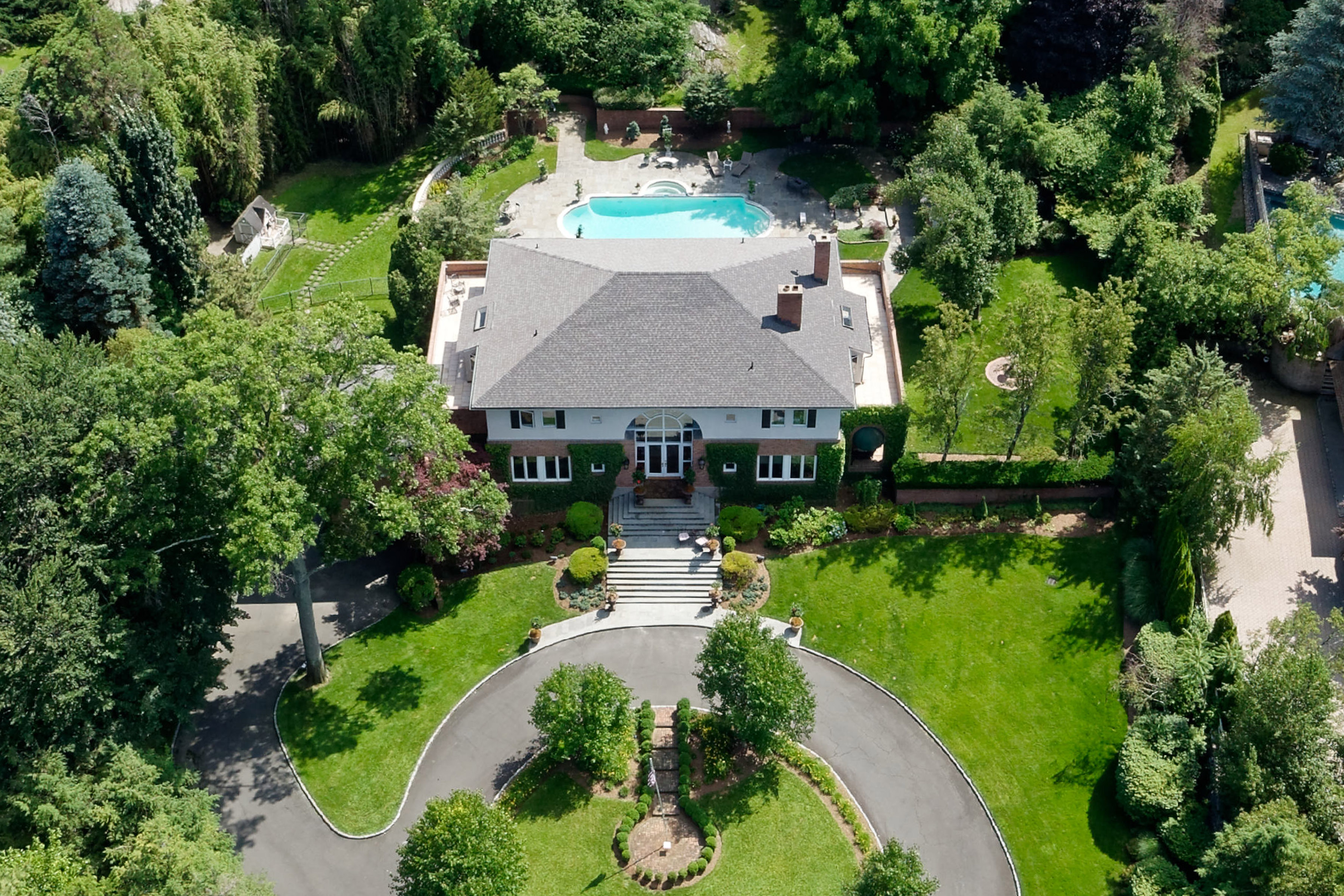 Casa Unifamiliar por un Venta en 3 Beechwood Circle Rye, Nueva York, 10580 Estados Unidos