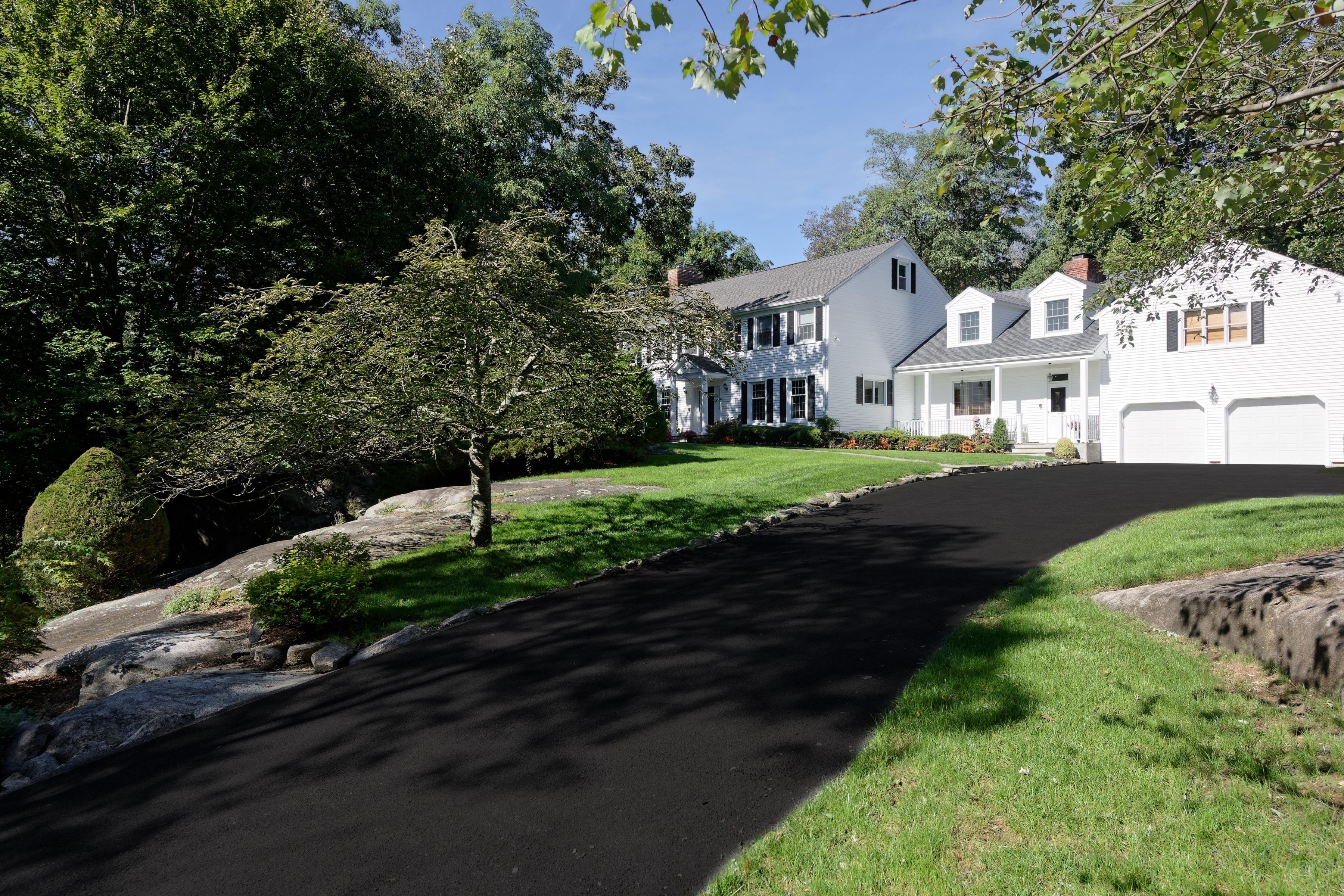 Einfamilienhaus für Verkauf beim 360 West Street Harrison, New York 10528 Vereinigte Staaten