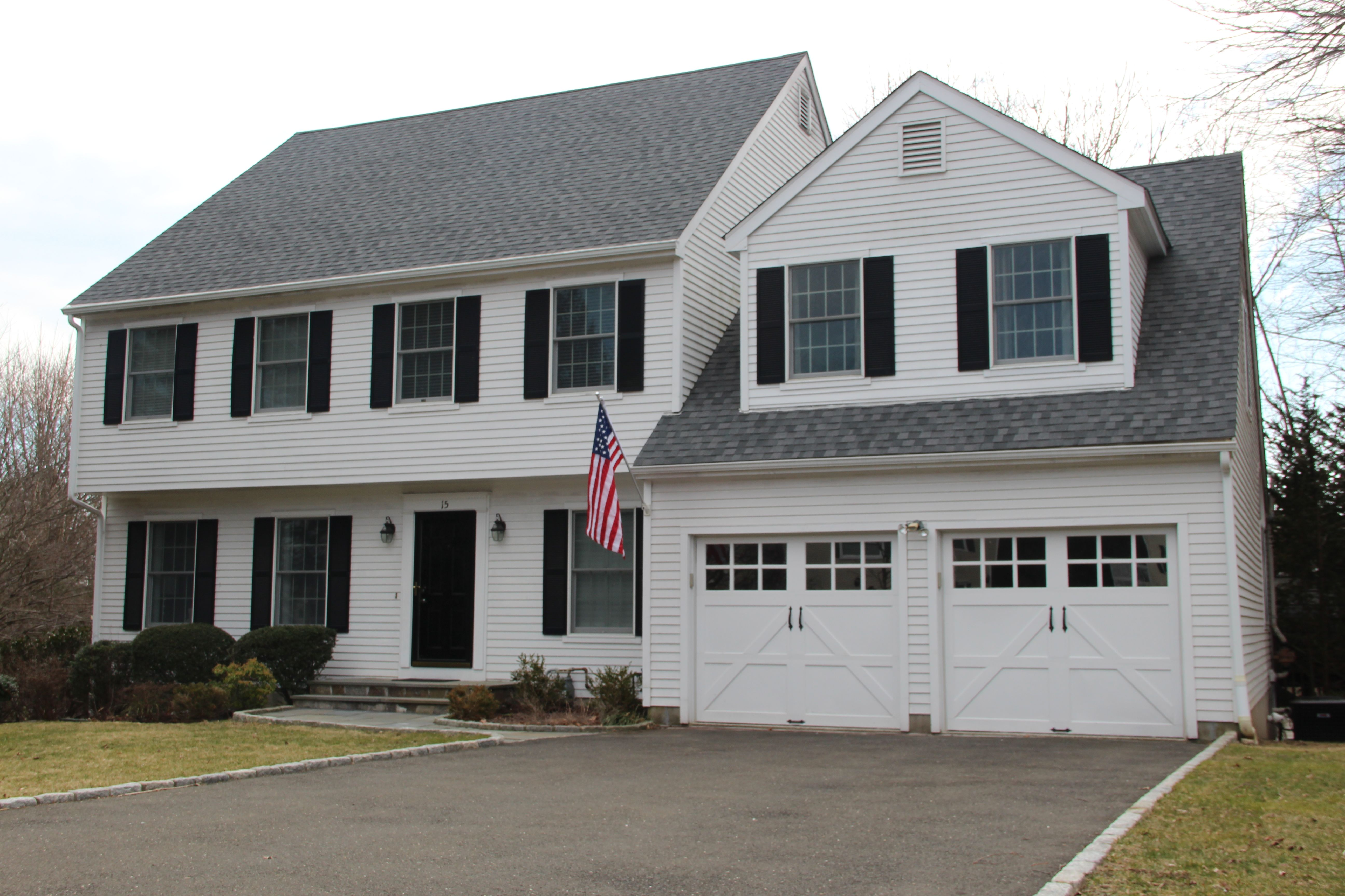Single Family Home for Sale at Laurelwood Colonial 15 Albert Place Stamford, Connecticut, 06905 United States