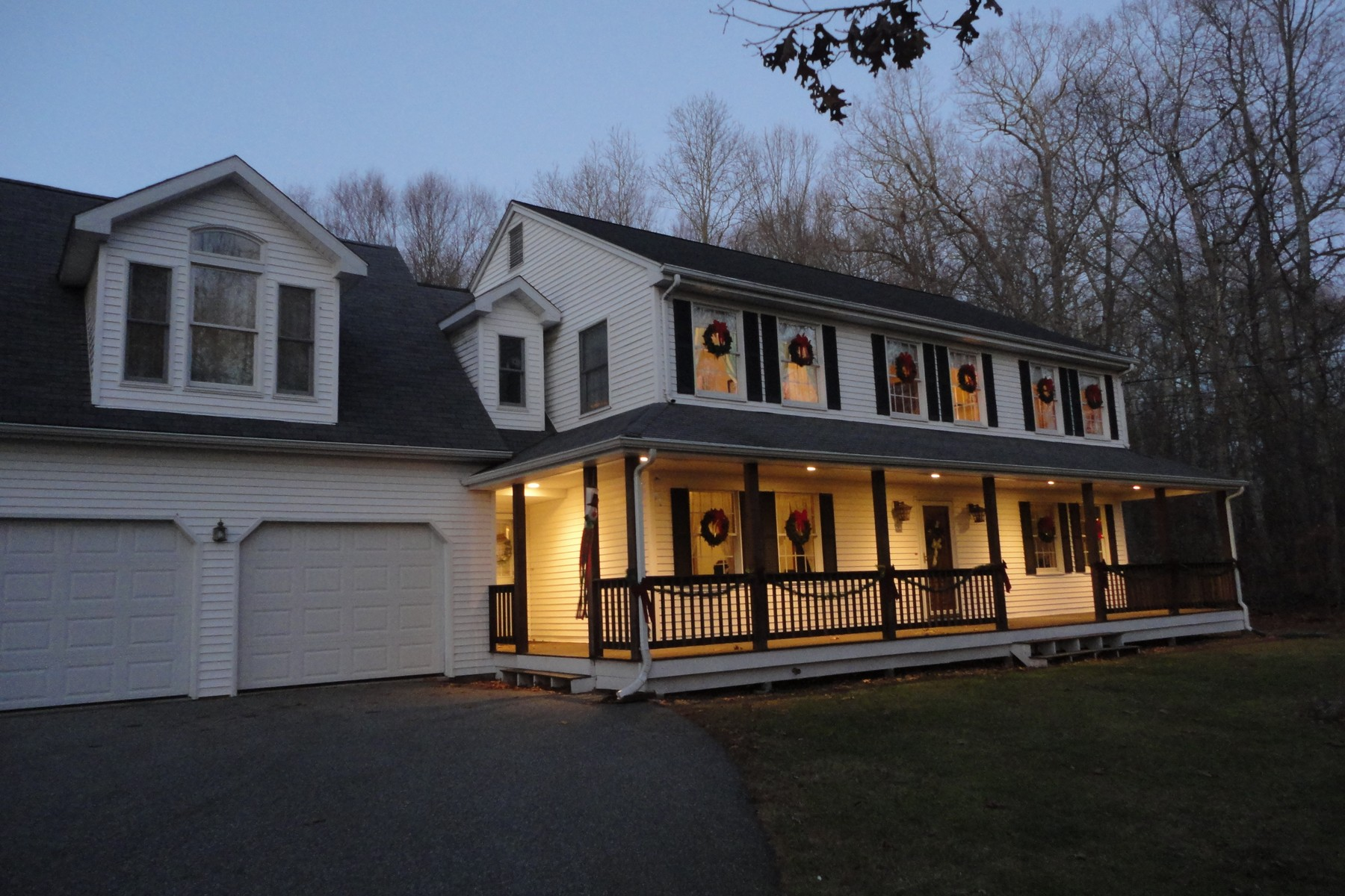 Single Family Home for Sale at 394 Old New London Road Salem, Connecticut 06420 United States